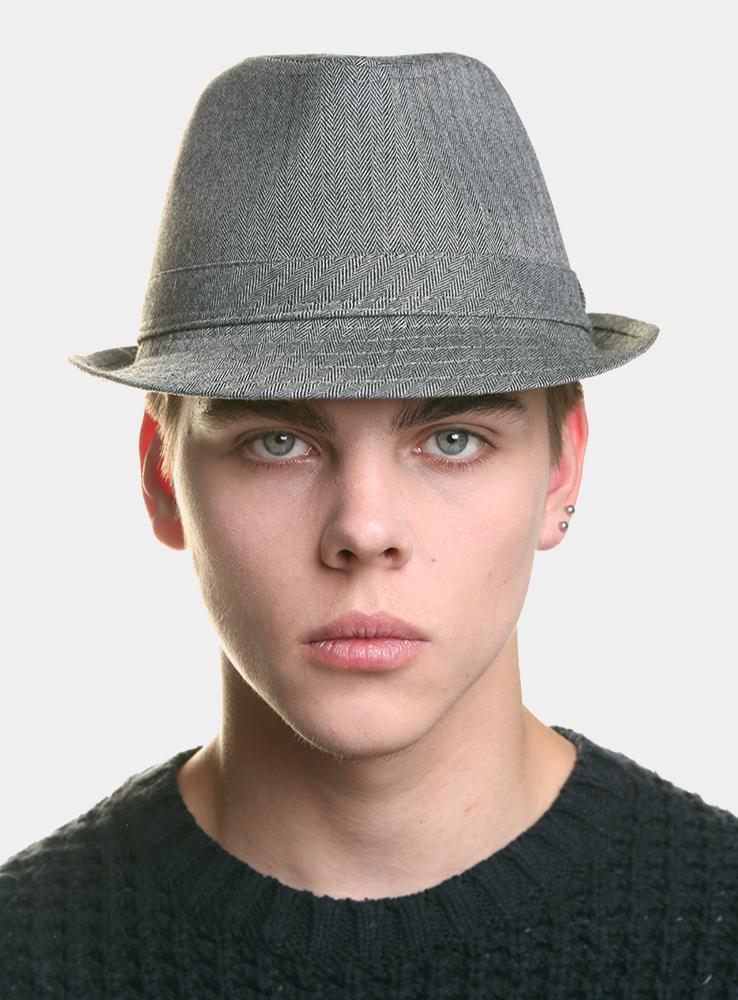 Шляпа3434109Классическая шляпа Canoe Kaleb непременно украсит любой наряд. Шляпа выполнена из шерсти и полиэстера. Модель с небольшими полями, по бокам слегка закрученными вверх. Внутри шляпы пришита лента по окружности, для удобной посадки на голову. Такая шляпа подчеркнет вашу неповторимость и дополнит ваш повседневный образ.