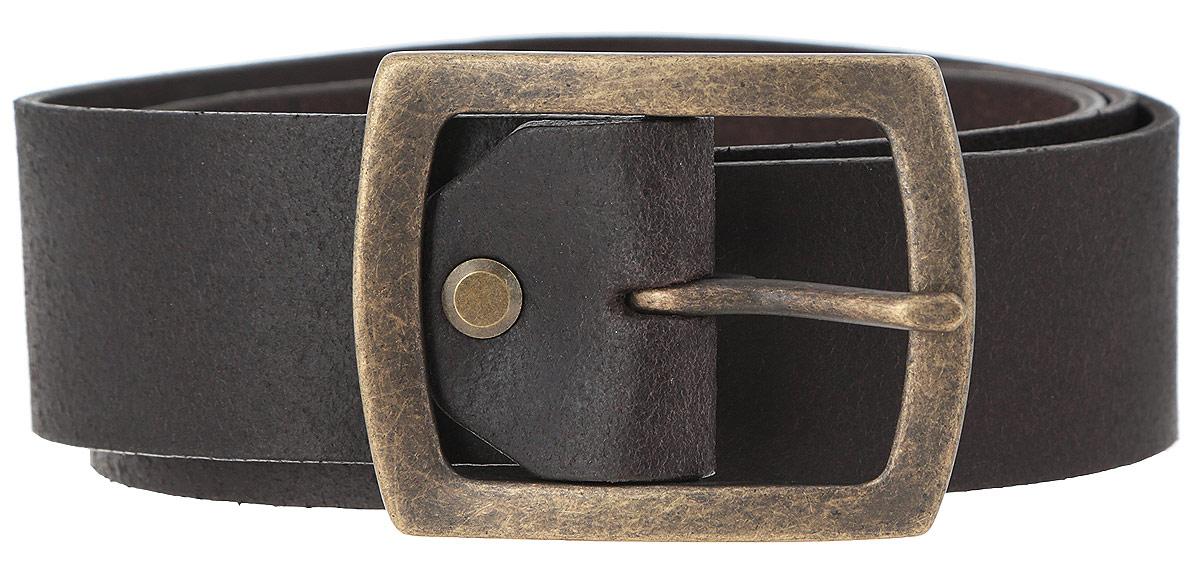 Ремень мужской. W0216UK85W0216UK85Стильный мужской ремень Wrangler станет великолепным дополнением к любому образу. Ремень изготовлен из натуральной кожи с умеренным блеском и оформлен металлической состаренной пряжкой. Такой ремень идеально подойдет к джинсам. Длина ремня регулируется с помощью болта. Такой ремень станет великолепным дополнением к образу в стиле casual.