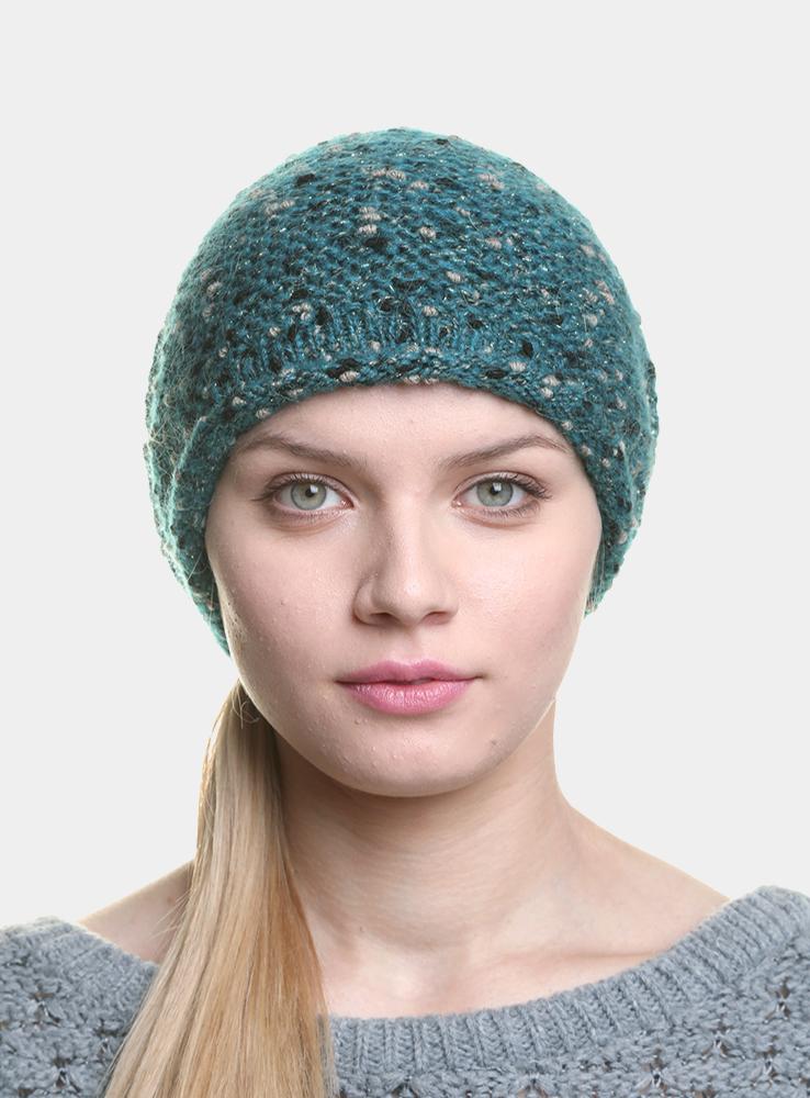 Шапка женская Posy3446654Удлиненная женская шапка Canoe Posy из оригинального многоцветного буклированного мохера дополнит ваш образ в холодную погоду. Сочетание мохера, вискозы и полиамида максимально сохраняет тепло и обеспечивает удобную посадку, невероятную легкость и мягкость. Визуально пряжа имеет красивое, двухцветное переплетение, создающее ощущение глубины и объема внутри изделия. Шапка украшена небольшим декоративным элементом с изображением надписи Canoe. Привлекательная стильная шапка Canoe Posy подчеркнет ваш неповторимый стиль и индивидуальность.