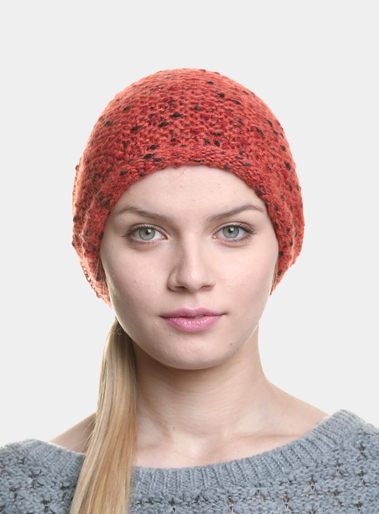 Шапка3446654Удлиненная женская шапка Canoe Posy из оригинального многоцветного буклированного мохера дополнит ваш образ в холодную погоду. Сочетание мохера, вискозы и полиамида максимально сохраняет тепло и обеспечивает удобную посадку, невероятную легкость и мягкость. Визуально пряжа имеет красивое, двухцветное переплетение, создающее ощущение глубины и объема внутри изделия. Шапка украшена небольшим декоративным элементом с изображением надписи Canoe. Привлекательная стильная шапка Canoe Posy подчеркнет ваш неповторимый стиль и индивидуальность.