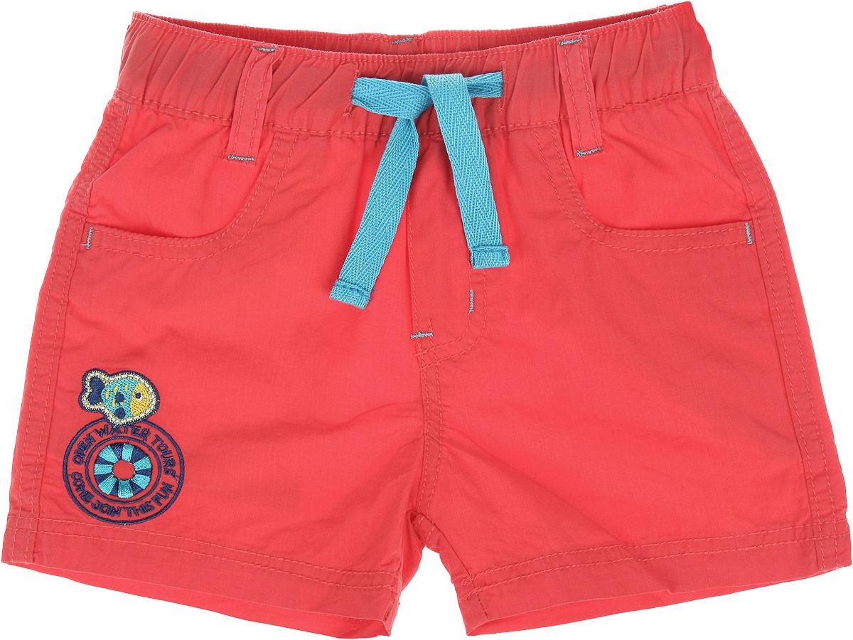 Шорты для мальчика. 196133196133Текстильные шорты для мальчика Sweet Berry Baby идеально подойдут маленькому моднику и станут отличным дополнением к детскому гардеробу. Шорты выполнены из натурального хлопка, не сковывают движения и позволяют коже дышать, обеспечивая наибольший комфорт. Шорты на талии имеют имитацию ширинки, резинку, шлевки для ремня и текстильные завязки контрастного цвета. Изделие оформлено вышивкой. Спереди расположены два втачных кармана с косыми срезами. В таких стильных шортах ваш маленький мужчина будет чувствовать себя комфортно и всегда будет в центре внимания!