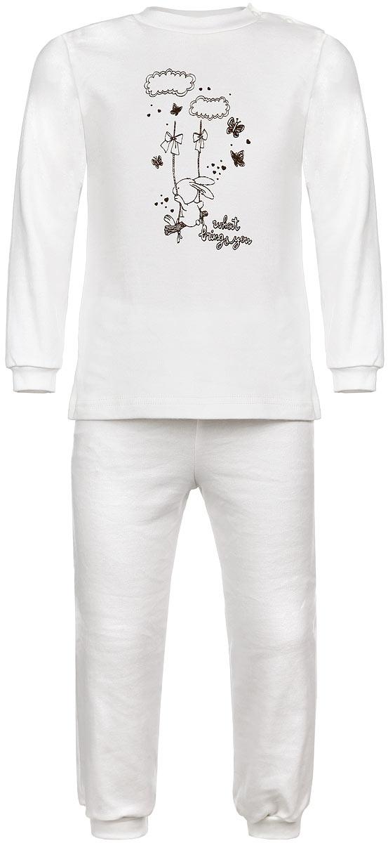 Пижама детская Зайка на качелях. 32863286Детская пижама КотМарКот Зайка на качелях, состоящая из футболки с длинным рукавом и брюк, идеально подойдет вашему ребенку и станет отличным дополнением к его гардеробу. Выполненная из натурального хлопка, она необычайно мягкая и легкая, не сковывает движения, позволяет коже дышать и не раздражает даже самую нежную и чувствительную кожу ребенка. Футболка с длинными рукавами и круглым вырезом горловины имеет застежки-кнопки по плечевому шву, что помогает с легкостью переодеть ребенка. Вырез горловины и манжеты на рукавах дополнены трикотажными эластичными резинками. Модель спереди оформлена принтом с изображением зайки на качелях, а также надписью. Брюки прямого кроя на талии имеют эластичную резинку, благодаря чему они не сдавливают животик ребенка и не сползают. Низ брючин дополнен широкими трикотажными манжетами. В такой пижаме ваш ребенок будет чувствовать себя комфортно и уютно во время сна.