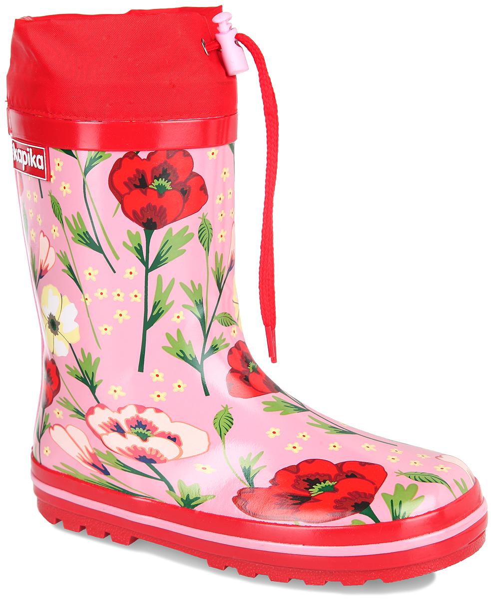 Сапоги резиновые для девочки. 692т692тРезиновые сапоги от Kapika - идеальная обувь в дождливую погоду. Сапоги выполнены из резины и оформлены цветочным принтом. Подкладка и съемная стелька из текстиля создают комфорт при ходьбе. Текстильный верх голенища регулируется в объеме за счет шнурка со стоппером. Рельефная поверхность подошвы гарантирует отличное сцепление с любой поверхностью. Резиновые сапоги прекрасно защитят ноги вашего ребенка от промокания в дождливый день.