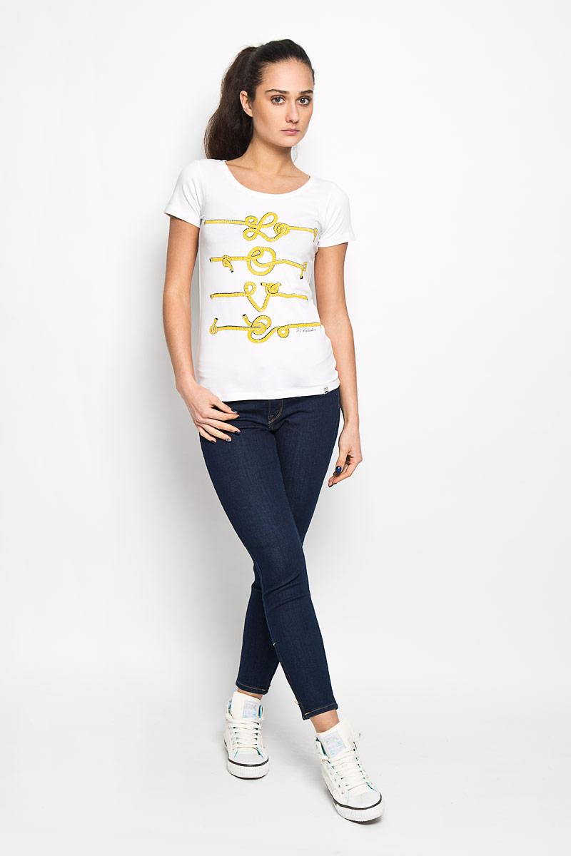 Футболка женская. 12380/Cable12380/Cable_whiteСтильная женская футболка F5, выполненная из натурального хлопка, необычайно мягкая и приятная на ощупь, не сковывает движения и позволяет коже дышать, обеспечивая комфорт. Модель с круглым вырезом горловины и короткими рукавами спереди оформлена оригинальным изображением веревок. Вырез горловины дополнен узкой трикотажной резинкой, что предотвращает деформацию при носке. Футболка F5 станет отличным дополнением к вашему гардеробу.