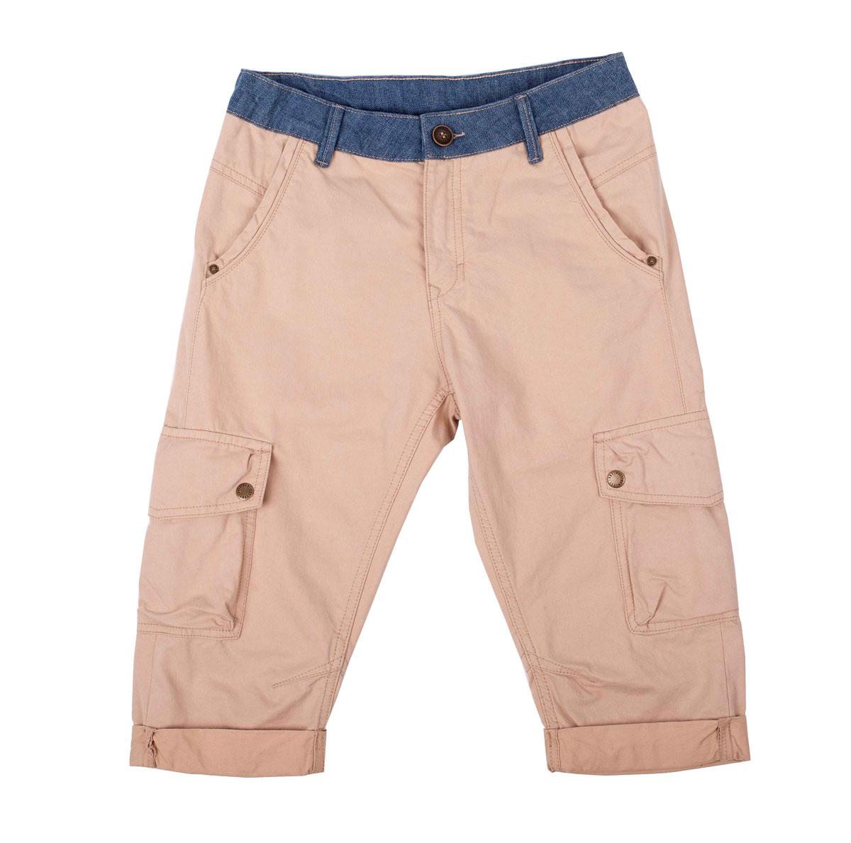 Бриджи для мальчика Камбоджа. 11611BTC600111611BTC6001Бриджи для мальчика Gulliver Камбоджа идеально подойдут юному моднику. Изготовленные из натурального хлопка, они приятные на ощупь, не сковывают движения и позволяют коже дышать, обеспечивая комфорт. Модель имеет комфортную длину и удобную посадку изделия на фигуре. Бриджи на талии застегиваются на металлическую пуговицу и имеют ширинку на застежке-молнии, а также шлевки для ремня. При необходимости пояс можно утянуть скрытой резинкой на пуговках. Спереди расположены два втачных кармана, сзади - два прорезных на застежках-пуговицах, по бокам предусмотрены два объемных накладных кармана с клапанами на кнопках. Модель дополнена декоративными отворотами. Изделие украшено вышитой надписью. Современный дизайн и расцветка делают эти бриджи модным и стильным предметом детского гардероба. В них ребенок всегда будет в центре внимания!