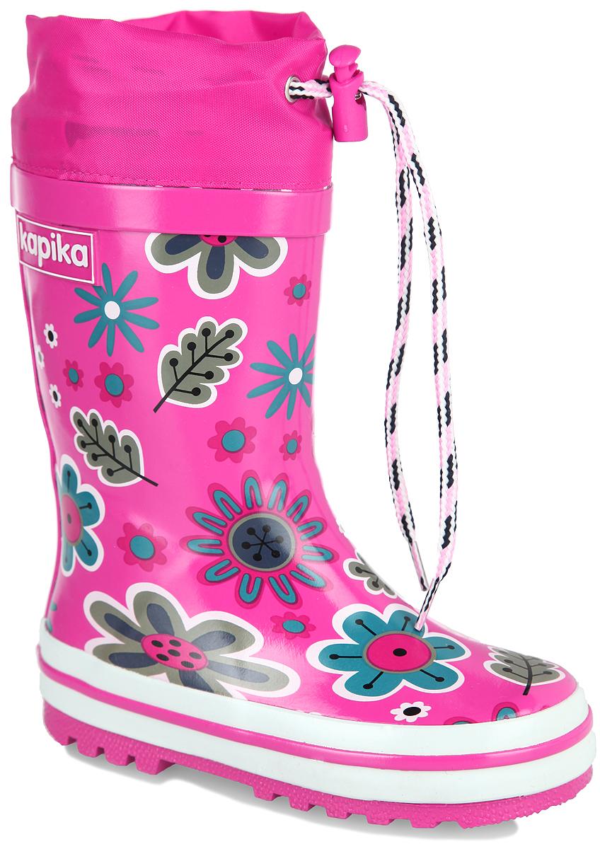 Сапоги резиновые для девочки. 618т618тРезиновые сапоги от Kapika - идеальная обувь в дождливую погоду. Сапоги выполнены из резины и оформлены цветочным принтом. Подкладка и съемная стелька из текстиля с содержанием хлопка (80%) помогают сохранить тепло и создают комфорт при ходьбе. Текстильный верх голенища регулируется в объеме за счет шнурка со стоппером. Рельефная поверхность подошвы гарантирует отличное сцепление с любой поверхностью. Резиновые сапоги прекрасно защитят ноги вашего ребенка от промокания в дождливый день.