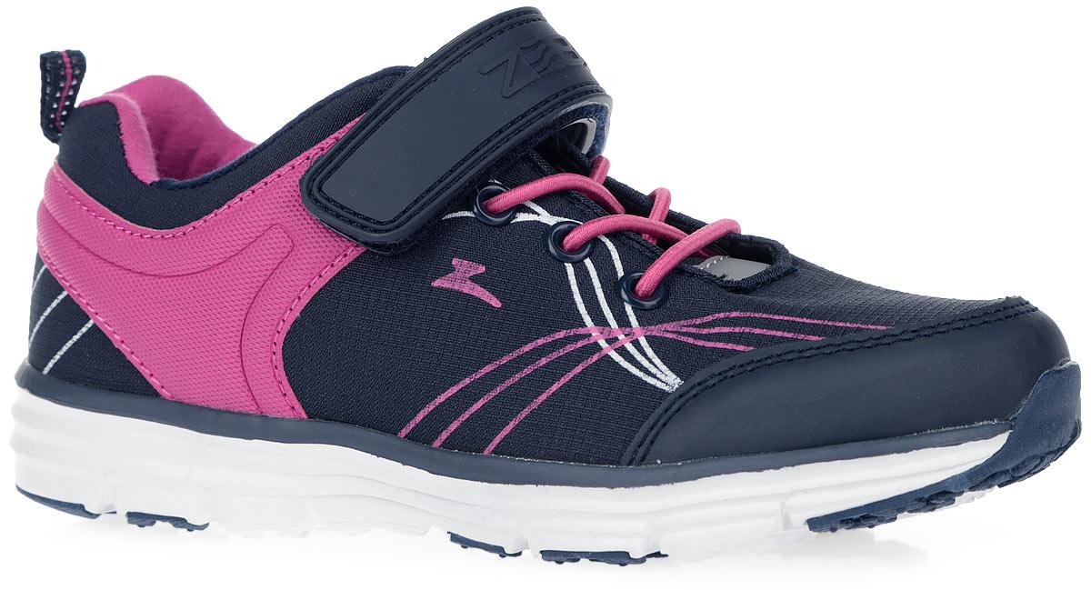 Кроссовки для девочки. 10070-510070-5Стильные кроссовки приведут в восторг вашу маленькую модницу. Модель, выполненная из комбинации текстиля и искусственной кожи, оформлена оригинальным принтом по верху. Подъем дополнен декоративной эластичной шнуровкой и ремешком на застежке-липучке, которые гарантируют удобство и надежно фиксируют изделие на стопе. Ярлычок на заднике предназначен для удобства обувания. Светоотражающий элемент отвечает за дополнительную безопасность в темное время суток. Анатомическая профилированная стелька из ЭВА материала с кожаным верхним покрытием, рельефной поверхностью в передней части способствует правильному формированию скелета и анатомических сводов детской стопы, правильной установке пятки ребенка, уменьшению ударной нагрузки на стопу, суставы ног и позвоночник. Стельку отличают хорошая гибкость и высокие амортизационные свойства. Ремешок декорирован тиснением в виде логотипа бренда. Подошва оснащена протектором для лучшего сцепления с поверхностью. ...