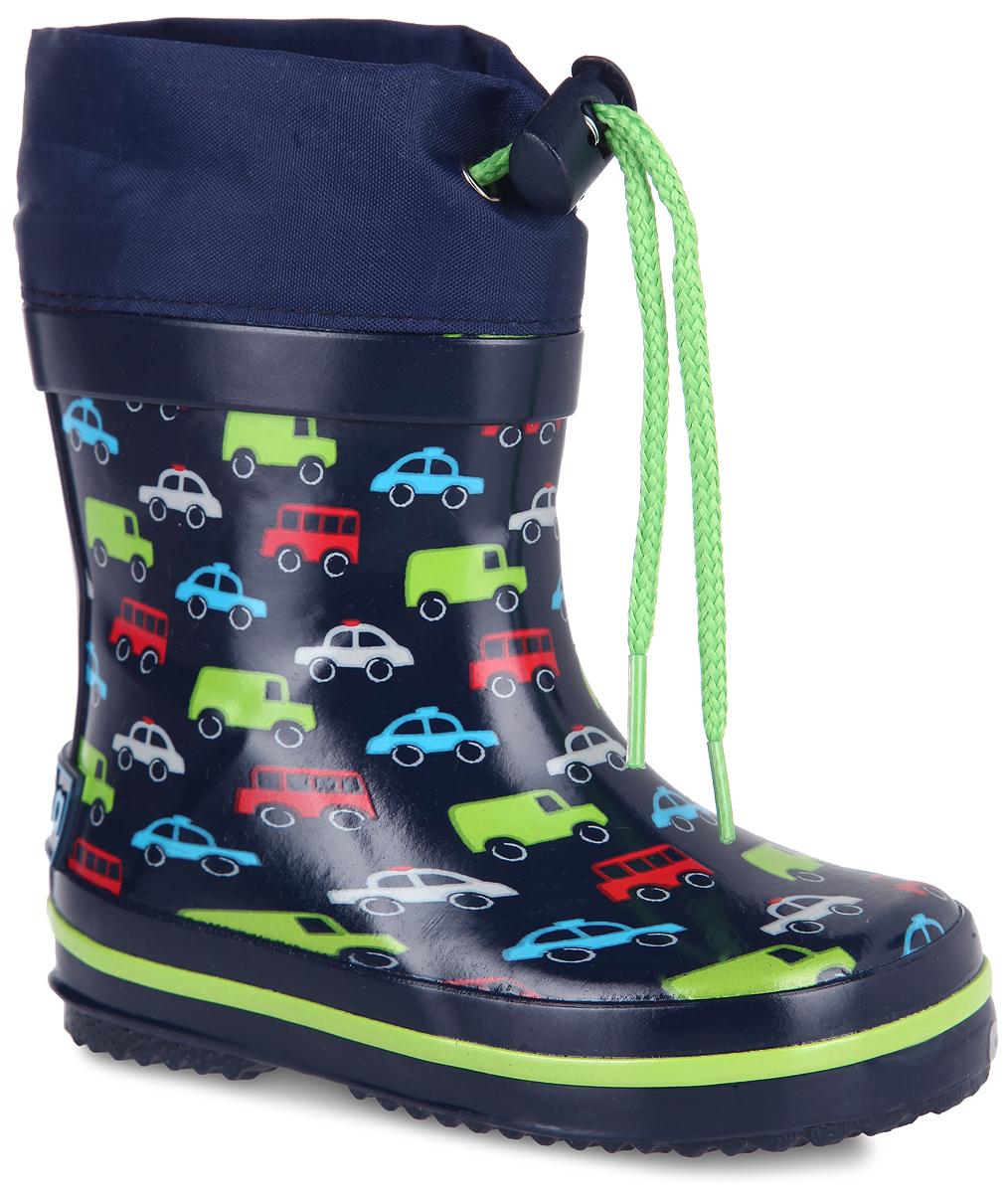 Сапоги резиновые для мальчика. 701т_машинки701тРезиновые сапоги от Kapika - идеальная обувь в дождливую погоду. Сапоги выполнены из резины и оформлены принтом в виде машинок. Подкладка и съемная стелька из 100% хлопка помогают сохранить тепло и создают комфорт при ходьбе. Текстильный верх голенища регулируется в объеме за счет шнурка со стоппером. Рельефная поверхность подошвы гарантирует отличное сцепление с любой поверхностью. Резиновые сапоги прекрасно защитят ноги вашего ребенка от промокания в дождливый день.