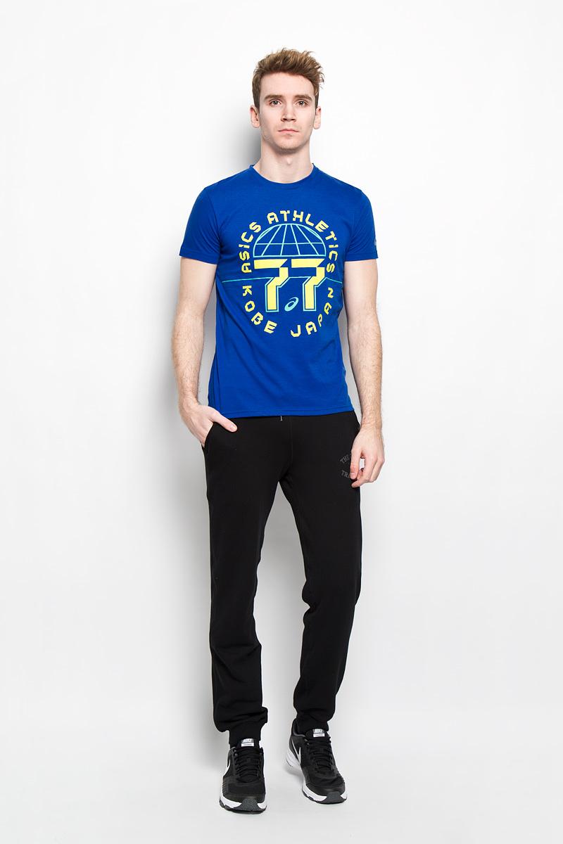 Футболка131535-8107Стильная мужская футболка Asics Training Graphic SS Top, выполненная из высококачественного хлопка с добавлением полиэстера, обладает высокой теплопроводностью, воздухопроницаемостью и гигроскопичностью, позволяет коже дышать и великолепно отводит влагу, оставляя тело сухим. Такая футболка превосходно подойдет для занятий спортом и активного отдыха. Модель с короткими рукавами и круглым вырезом горловины - идеальный вариант для создания образа в спортивном стиле. Футболка декорирована крупным принтом, рисунок которого означает год, в котором марка сменила свое название на Asics. Такая модель подарит вам комфорт в течение всего дня и послужит замечательным дополнением к вашему гардеробу.