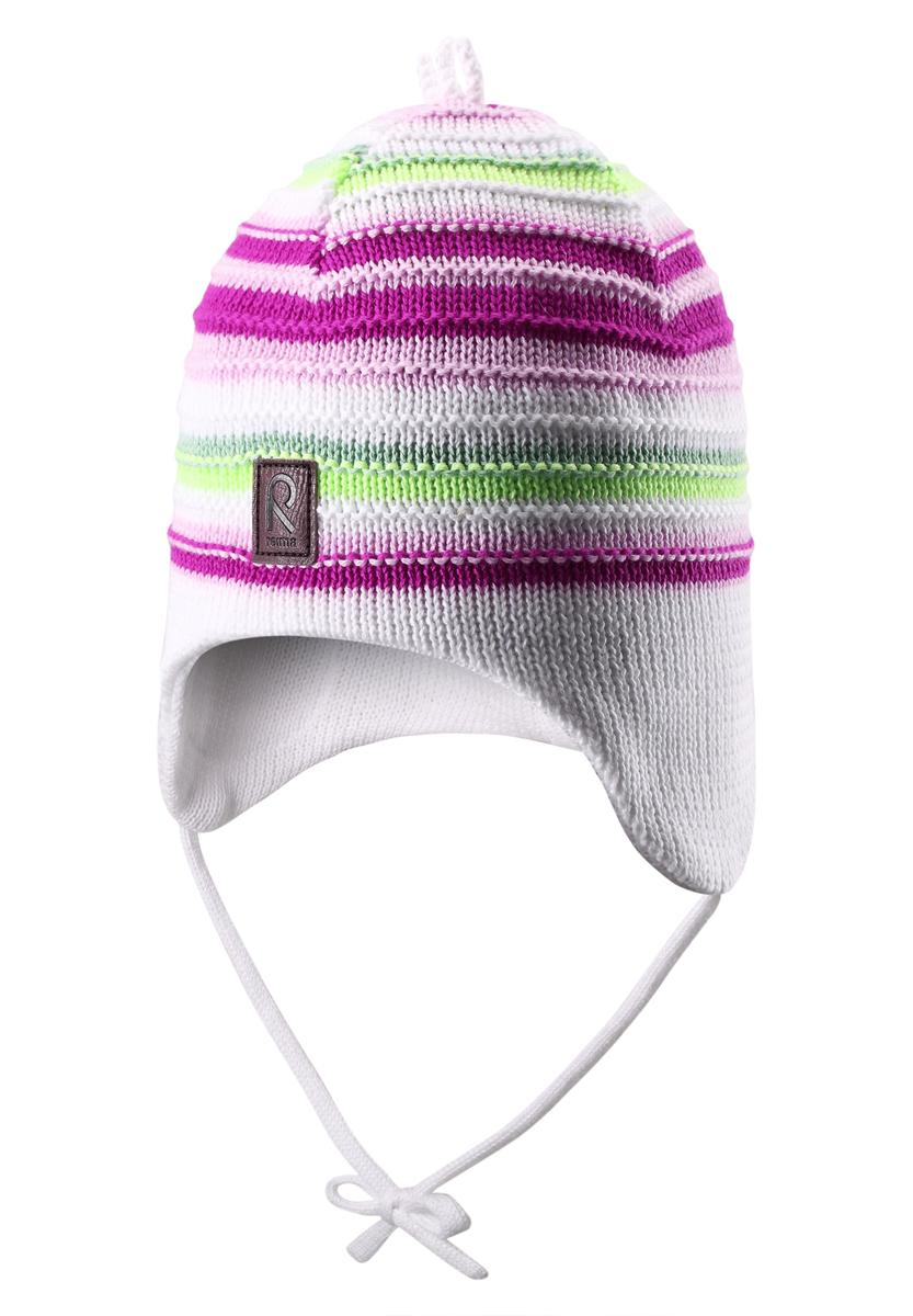 Шапка-бини детская Beetroot. 518340518340_0100Детская шапка-бини Reima Beetroot отлично подойдет для прогулок в прохладную погоду. Изделие с частичной подкладкой изготовлено из хлопковой пряжи, мягкое и приятное на ощупь. Благодаря эластичной вязке, шапка идеально прилегает к голове ребенка. Шапочка дополнена завязками, фиксирующимися под подбородком. По бокам модели предусмотрены ветронепроницаемые вставки, которые защищают маленькие ушки от холодного ветра. Изделие оформлено вязаными полосками. На макушке шапка украшена декоративным элементом, спереди дополнена нашивкой с логотипом бренда. Современный дизайн и расцветка делают эту шапку модным и стильным предметом детского гардероба. В ней ребенку будет уютно и комфортно. Уважаемые клиенты! Размер, доступный для заказа, является обхватом головы.