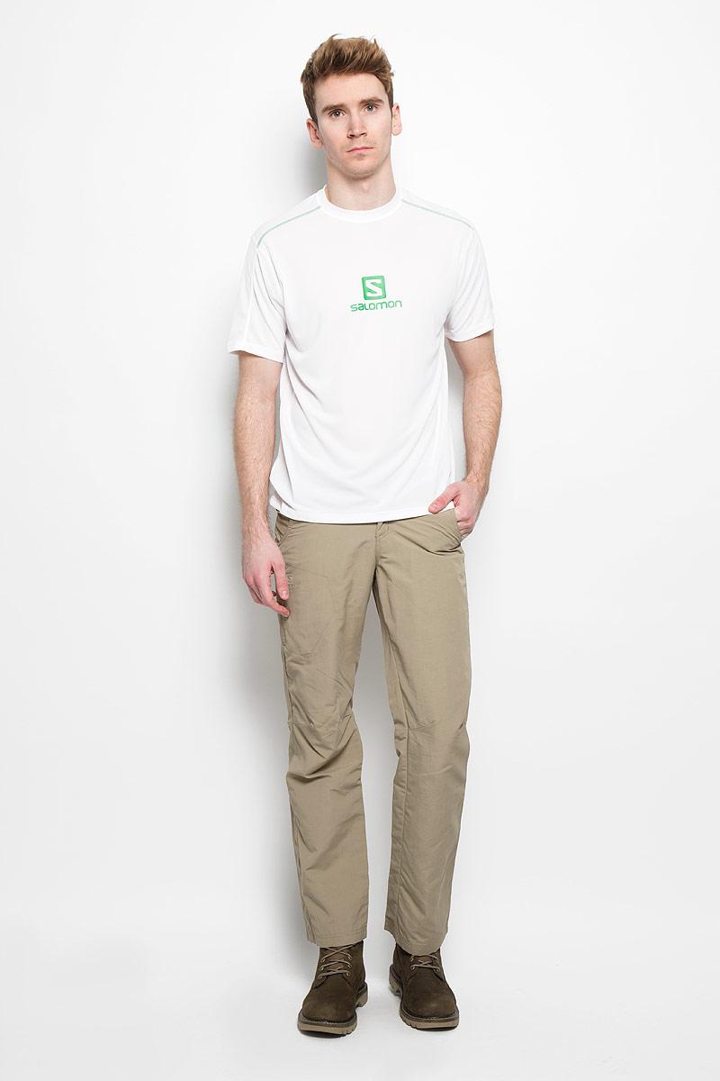 БрюкиL37222700Стильные мужские брюки Salomon Elemental Ad Pant отлично подойдут для отдыха и для встреч с друзьями. Это прочные и дышащие брюки, которые не сковывают движений. Брюки застегиваются на кнопку в поясе и ширинку на молнии, имеются шлевки для ремня. Пояс дополнительно оснащен по бокам эластичными вставками для более удобной посадки. Спереди изделие дополнено двумя втачными карманами и одним прорезным карманом на молнии, сзади - одним прорезным карманом на молнии и одним - на липучке. Брючины в зоне коленей имеют декоративные прострочки. Брюки украшены логотипом бренда. Эти модные и в тоже время удобные брюки - настоящее воплощение комфорта. В них вы всегда будете чувствовать себя уверенно и уютно.
