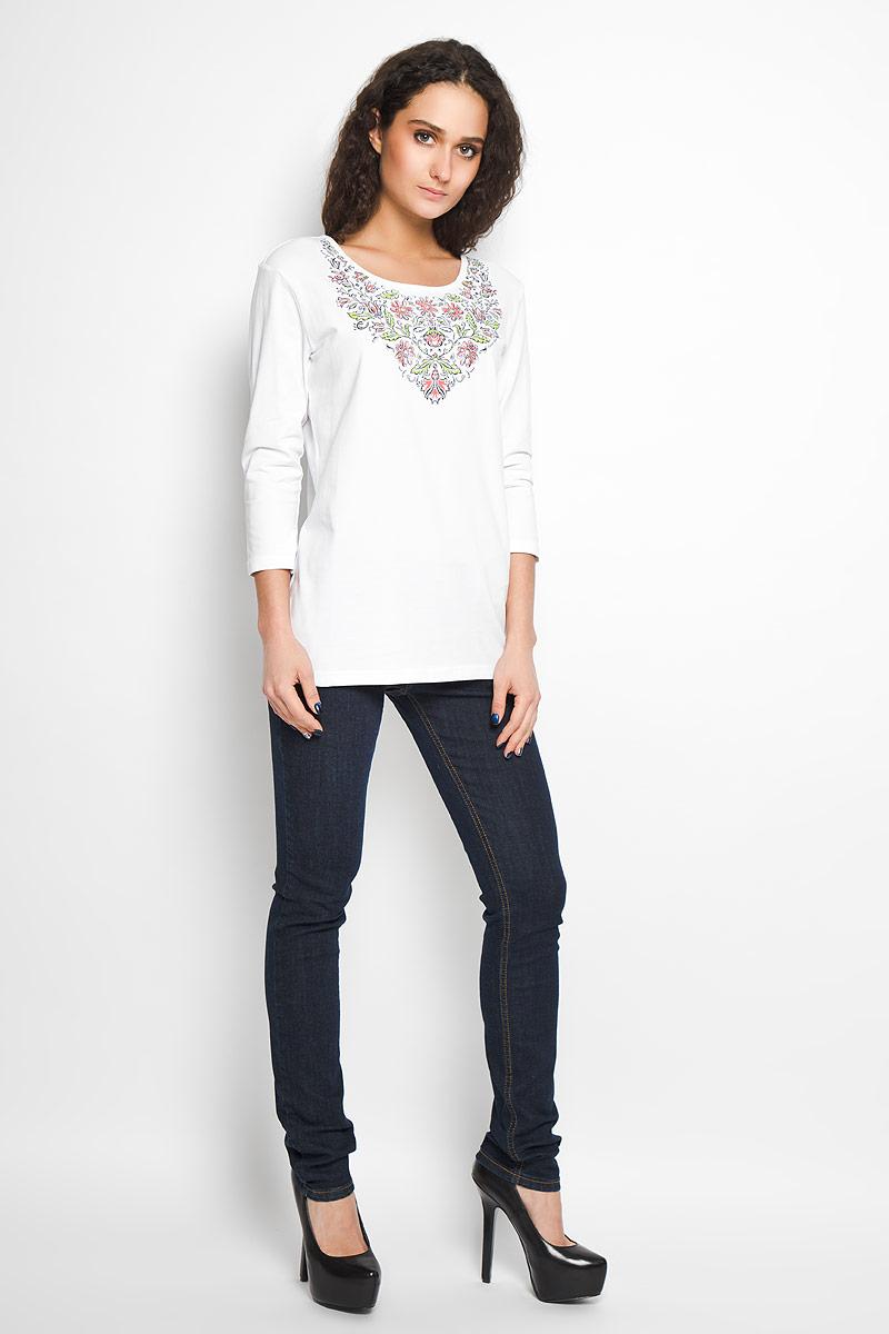Блузка женская. B16-12062B16-12062Стильная женская блуза Finn Flare, выполненная из эластичного хлопка, подчеркнет ваш уникальный стиль и поможет создать оригинальный женственный образ. Блузка с рукавами 3/4 и круглым вырезом горловины оформлена красочным цветочным принтом. Такая блузка идеально подойдет для жарких летних дней. Такая блузка будет дарить вам комфорт в течение всего дня и послужит замечательным дополнением к вашему гардеробу.