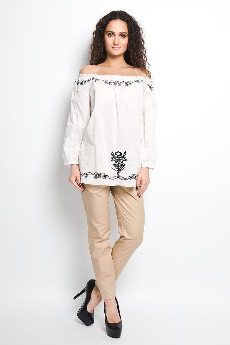 БлузкаB175409Воздушная блузка Baon сделает вас неотразимой и в будни, и в праздники. Изготовлена из легкого высококачественного материала. Верх модели оформлен резинкой, что позволяет носить изделие в разных вариациях. Прекрасная вышивка. Манжеты рукавов застегиваются на пуговку. Такая блузка займет достойное место в вашем гардеробе.