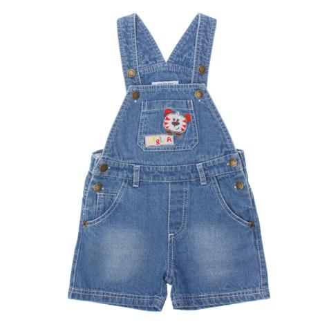 Полукомбинезон для мальчика. 167054167054Стильный джинсовый комбинезон с эффектом потертости. Застегивается на металлические пуговки по бокам. 2 функциональных кармашка, 1 на груди. На кармане вышивка с тигренком.