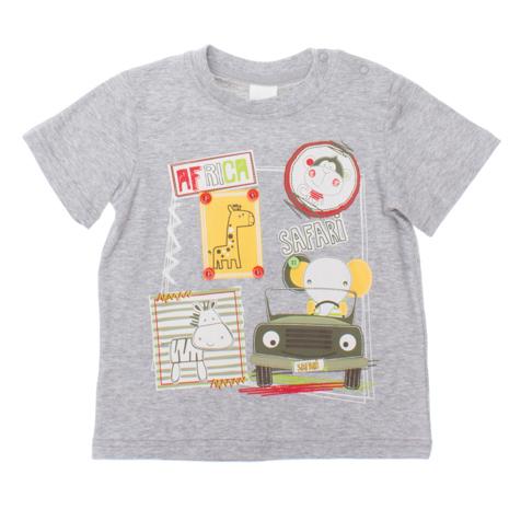 Футболка для мальчика. 167062167062Мягкая хлопковая футболка с короткими рукавами. Воотник натрикотажной резинке. Украшена резиновым принтом и декоративными пуговками. Цвет - серый меланж.