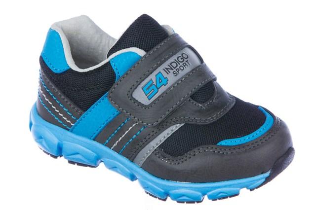 Кроссовки90-036A/12Модные кроссовки от Indigo Kids очаруют вашего малыша с первого взгляда! Модель изготовлена из искусственной кожи со вставками из сетчатого текстиля. Широкий ремешок на застежке-липучке, оформленный надписью Indigo Sport и числом 54, надежно фиксирует изделие на ноге. Стелька EVA с поверхностью из натуральной кожи обеспечивает комфорт и амортизацию при движении. Супинатор на стельке предотвращает развитие плоскостопия. Светоотражающие элементы, расположенные сбоку и на ремешке, отвечают за дополнительную безопасность в темное время суток. Подошва с протектором гарантирует отличное сцепление с любыми поверхностями. Стильные кроссовки займут достойное место в гардеробе вашего мальчика.