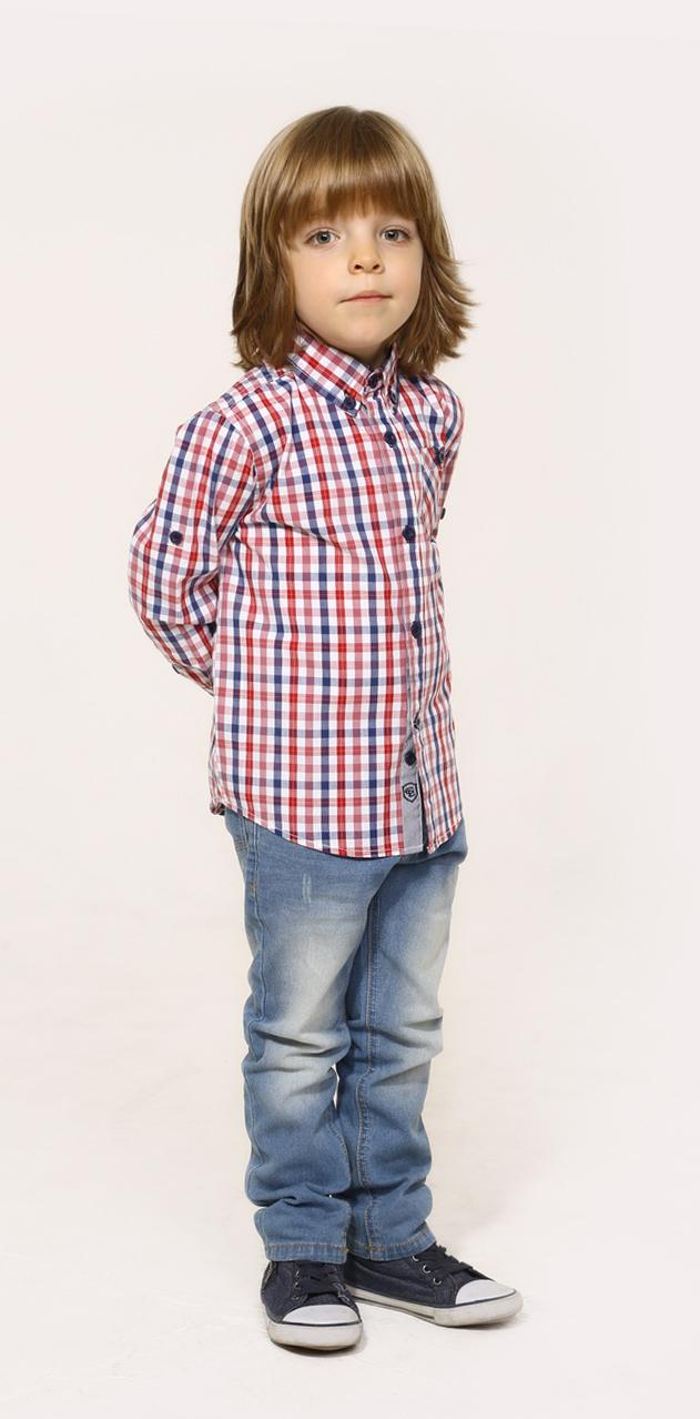 РубашкаSS16-CJM-BHH-093Рубашка для мальчика Gino de Luka, выполненная из натурального хлопка, прекрасно подойдет ребенку для повседневной носки. Материал очень мягкий и приятный на ощупь, не сковывает движения и позволяет коже дышать. Рубашка прямого кроя с отложным воротником и длинными рукавами застегивается на пуговицы по всей длине. На груди модели предусмотрен накладной карман, декорированный пуговкой. Длину рукавов можно изменить при помощи хлястиков на пуговицах. Манжеты рукавов также имеют застежки-пуговицы. Изделие оформлено принтом в клетку. Современный дизайн, актуальная цветовая гамма и декор делают эту рубашку стильным и модным предметом детской одежды. В ней ваш маленький мужчина всегда будет в центре внимания!