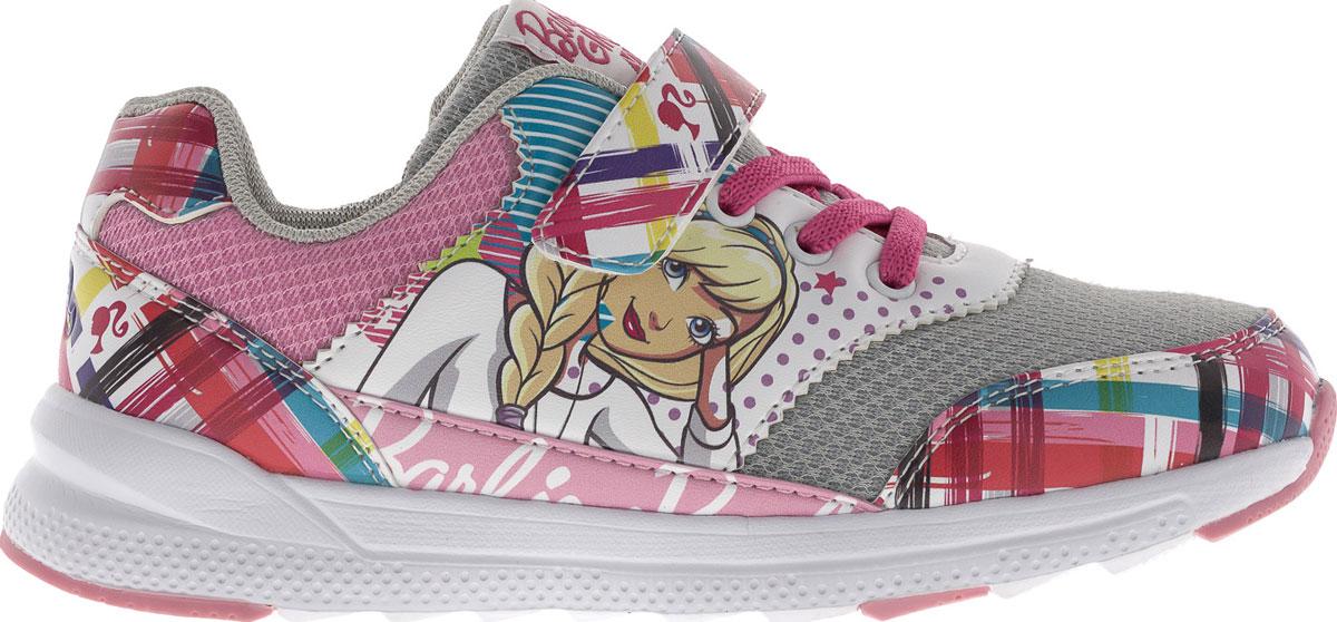 Кроссовки для девочки Barbie. 5853A5853AПрелестные кроссовки Barbie от Kakadu очаруют вашу девочку с первого взгляда! Модель выполнена из синтетической кожи со вставками из сетчатого текстиля. Задняя поверхность, мыс и ремешок оформлены геометрическом принтом. Боковая сторона декорирована изображением прекрасной Барби. Ремешок с застежкой-липучкой и эластичная шнуровка гарантируют оптимальную посадку кроссовок на ножке вашей дочурки. Амортизирующая стелька с антибактериальной пропиткой обладает высокой воздухопроницаемостью, прекрасно впитывает лишнюю влагу, нейтрализует неприятный запах и придает дополнительный комфорт при ходьбе. Подошва с протектором обеспечивает идеальное сцепление с любой поверхностью. Эффектные кроссовки приведут в восторг вашу юную модницу!