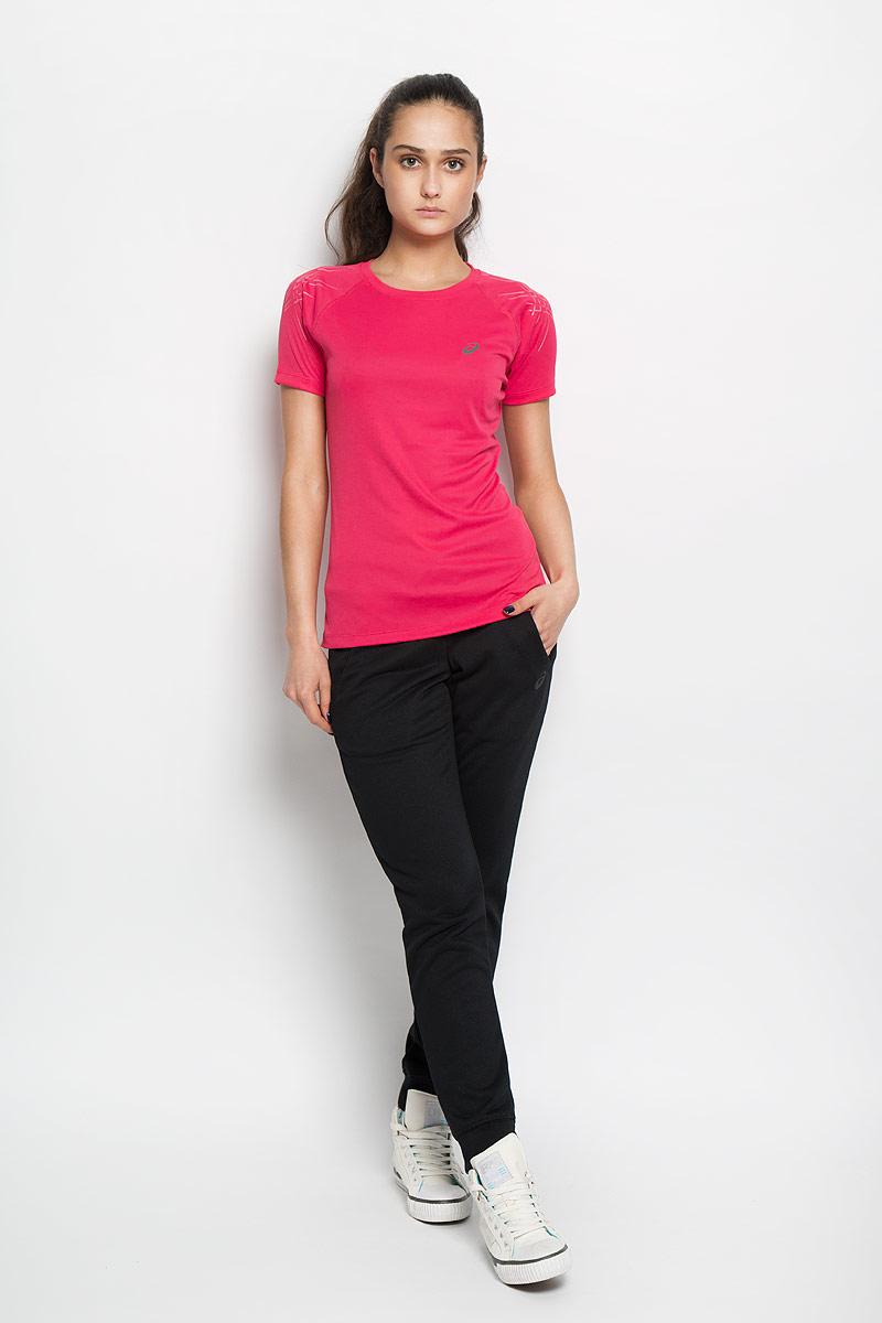 Футболка для бега женская Stripe Top SS. 126232126232-6016Женская футболка Asics Stripe Top SS предназначена специально для бега. Эта легкая беговая футболка обеспечит вам безупречный комфорт и достижение высоких спортивных результатов благодаря мягкой, эластичной ткани, которая отводит влагу и поддерживает тело сухим. Плоские швы не натирают кожу и обеспечивают полный комфорт. Фасон рукавов-реглан элегантен и создает свободу движений. Футболка декорирована логотипом и тигровыми полосками на рукавах. Максимальный комфорт и уникальный спортивный образ!