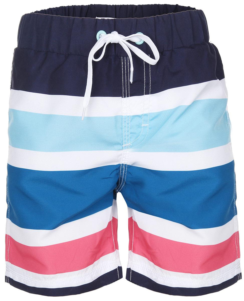 Шорты пляжные для мальчика. 196373196373Пляжные шорты для мальчика Sweet Berry - идеальный вариант, как для купания, так и для игр на пляже. Изготовленные из 100% полиэстера, они быстро сохнут и сохраняют первоначальный вид и форму даже при длительном использовании. Шорты комфортны в носке, даже когда ребенок мокрый. Модель с вшитыми сетчатыми трусиками на поясе имеет эластичную резинку, регулируемую шнурком, благодаря чему шорты не сдавливают живот ребенка и не сползают. Имеется имитация ширинки. Оформлено изделие принтом в полоску. Такие пляжные шорты, несомненно, понравятся вашему ребенку и послужат отличным дополнением к летнему гардеробу!