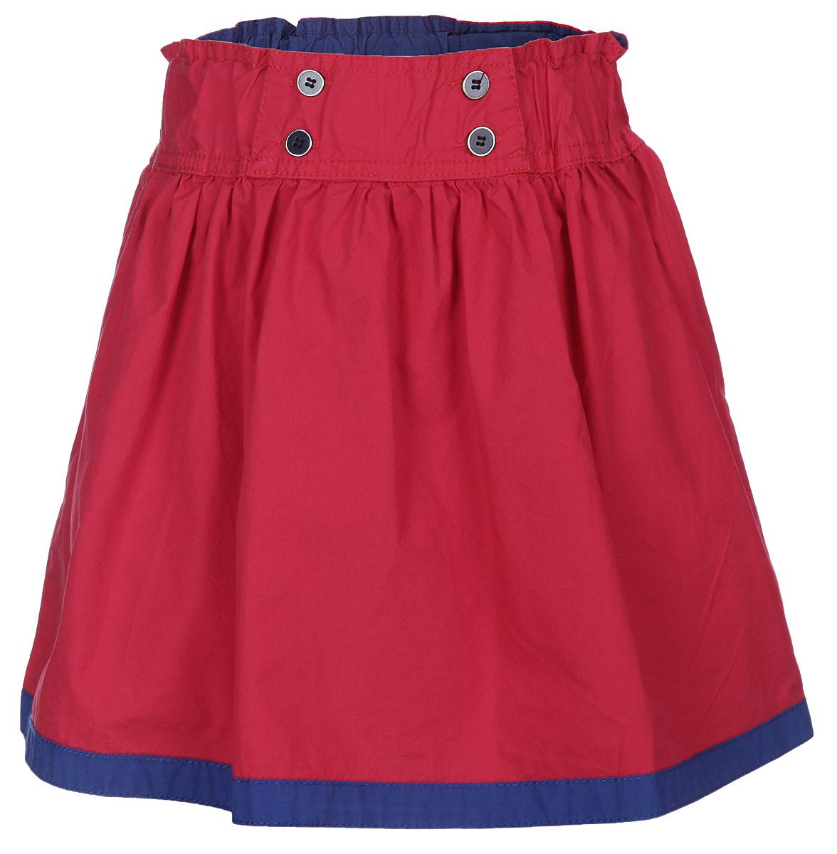 Юбка для девочки. 195452195452Юбка для девочки Sweet Berry подойдет вашей маленькой моднице и станет отличным дополнением к ее гардеробу. Изготовленная из натурального хлопка, она мягкая и приятная на ощупь, не сковывает движения и позволяет коже дышать. Модель на поясе имеет широкую трикотажную резинку, которая не сдавливает животик ребенка и не позволяет юбке сползать. Спереди пояс декорирован пуговицами. По низу модель оформлена оторочкой контрастного цвета. В такой юбочке ваша маленькая принцесса будет чувствовать себя комфортно, уютно и всегда будет в центре внимания!