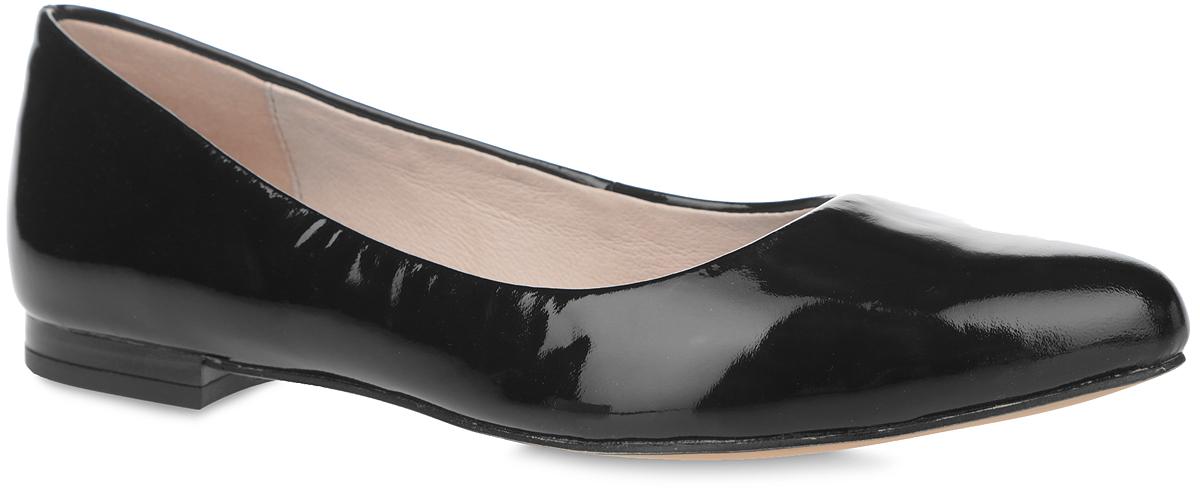 Балетки. 9-9-22107-26-0189-9-22107-26-018Модные балетки от Caprice очаруют вас с первого взгляда! Модель выполнена из натуральной лакированной кожи и оформлена на задней поверхности тиснением в виде логотипа бренда. Зауженный носок смотрится женственно. Внутренняя поверхность и стелька из натуральной кожи комфортны при движении. Невысокий каблук устойчив. Технология Sacchetto обеспечивает эластичность и идеальную посадку. Рифление на каблуке и подошве обеспечивает идеальное сцепление с любыми поверхностями. В таких балетках вашим ногам будет уютно и комфортно! Они внесут женственные нотки в любой из ваших нарядов.