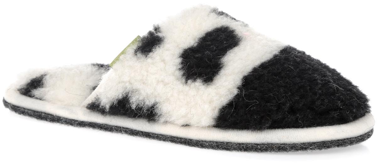 Тапки Гармония. 030302-0500.23.1/к030302-0500.23.1/кМягкие тапки Гармония от Holty выполнены из натуральной овечьей шерсти и текстиля. Содержащий в натуральной шерсти животный воск, взаимодействуя с кожей человека, благотворно влияет на мышцы и суставы. Уникальным свойством шерсти является способность поглощать влагу, свободно ее рассеивать, оставляя при этом ноги сухими. Тапки идеально подойдут для ношения в помещениях с любыми типами полов, для прогрева ног сухим теплом, защиты от воздействия холода и сквозняков, и снятия усталости. Подошва выполнена из нетканого ворсового полотна. Легкие и мягкие тапки подарят чувство уюта и комфорта. Длина стельки для размера 38: 21,5 см.
