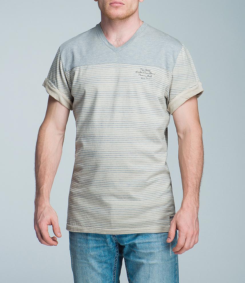 Футболка мужская. PM501881PM501881Стильная мужская футболка Pepe Jeans, изготовленная из высококачественного хлопка, не сковывает движений и позволяет коже дышать, обеспечивая наибольший комфорт. Модель с короткими рукавами и V-образным вырезом горловины оформлена принтом в тонкую полоску. Рукава понизу дополнены декоративными отворотами. Эта модная футболка послужит отличным дополнением к вашему гардеробу, она станет главной составляющей вашего стиля. В ней вы всегда будете чувствовать себя уютно и комфортно.