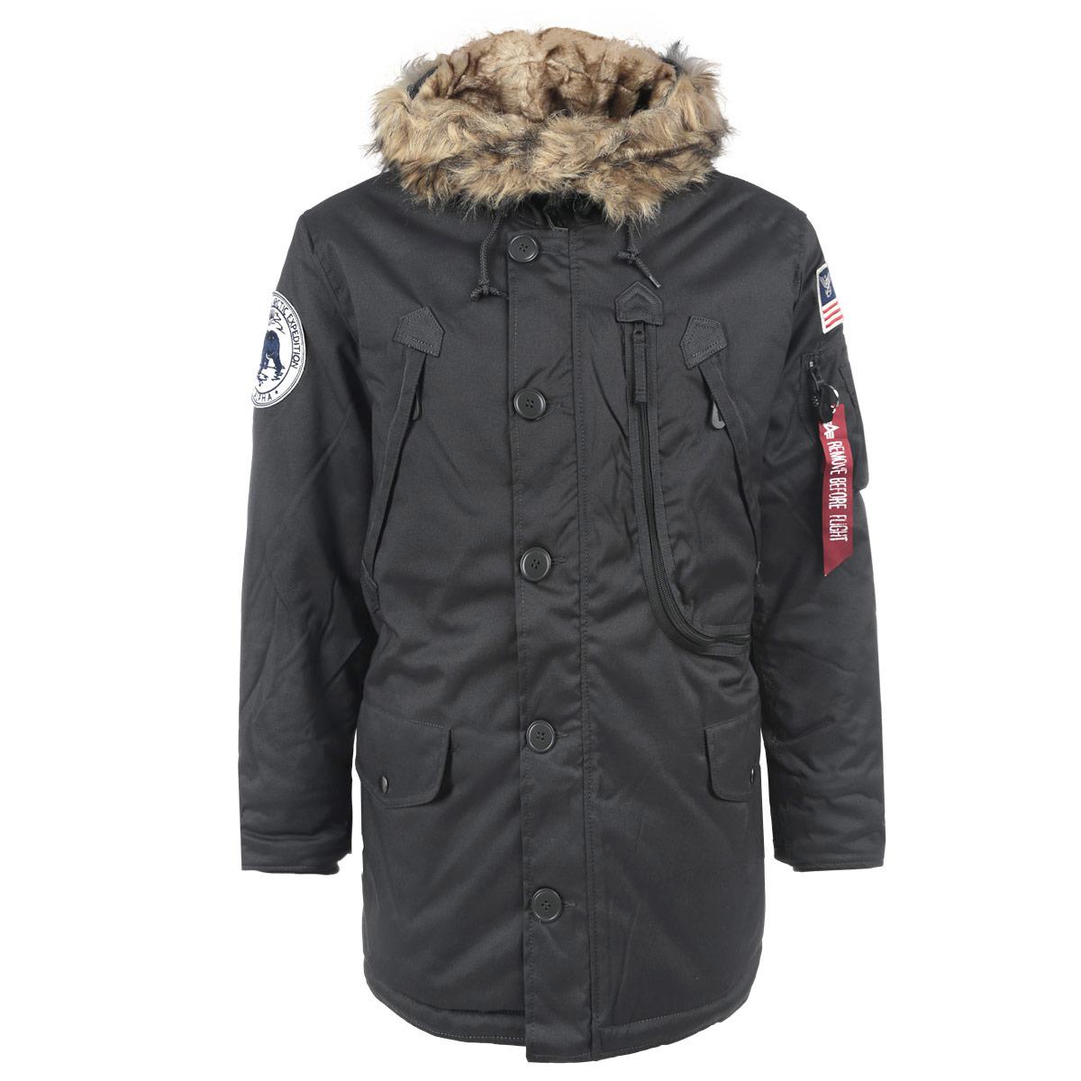 Куртка мужская. 123144123144Теплая стильная мужская парка Alpha Industries, рассчитанная на холодную погоду, поможет вам почувствовать себя максимально комфортно. Изделие выполнено из плотного материала с утеплителем из синтепона и отделкой из искусственного меха. Куртка с внутренней стороны на талии затягивается кулиской, что предотвращает проникновение холодного воздуха. Парка с несъемным капюшоном на кулиске, застегивается на пластиковую застежку-молнию и дополнительно ветрозащитным клапаном на пуговицах. Капюшон внутри утеплен искусственным мехом. Модель оформлена двумя втачными карманами с клапанами на кнопках, двумя нагрудными карманами на молниях, отделением на молнии, содержащим внутри два сетчатых кармашка. На рукаве также расположен небольшой кармашек на молнии. На внутренней стороне предусмотрен вместительный накладной карман. Рукава дополнены вшитыми трикотажными манжетами. Куртка декорирована текстильными нашивками на рукавах и контрастной отстрочкой. В этой парке вам будет комфортно и тепло в...