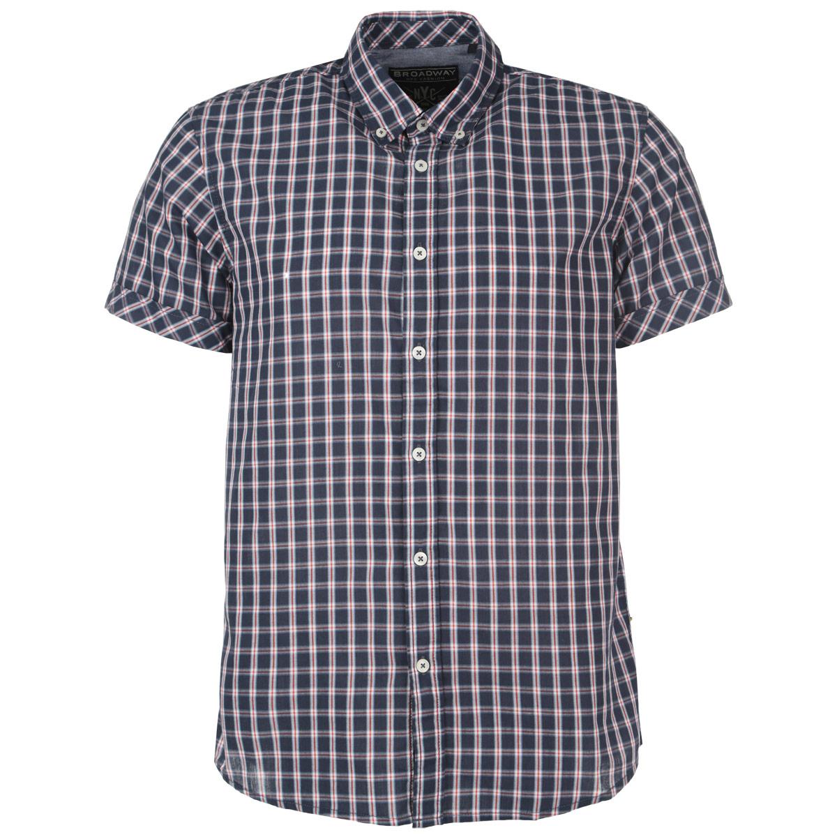 Рубашка мужская. 1015230710152307 51FСтильная мужская рубашка Broadway, изготовленная из высококачественного материала, необычайно мягкая и приятная на ощупь, не сковывает движения и позволяет коже дышать, обеспечивая наибольший комфорт. Модная рубашка прямого кроя с короткими рукавами, отложным воротником и полукруглым низом. Застегивается изделие на пуговицы. Эта рубашка идеальный вариант для повседневного гардероба. Такая модель порадует настоящих ценителей комфорта и практичности!