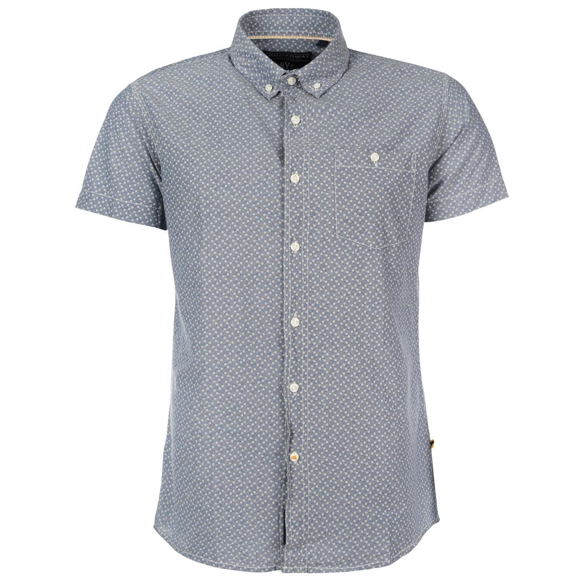Рубашка мужская. 1015231210152312 57BОтличная мужская рубашка Broadway с принтом, выполненная из хлопка, обладает высокой теплопроводностью, воздухопроницаемостью и гигроскопичностью, позволяет коже дышать, тем самым обеспечивая наибольший комфорт при носке даже самым жарким летом. Рубашка приталенного кроя с короткими рукавами, полукруглым низом, отложным воротником застегивается на пуговицы. Рубашка дополнена на груди накладным карманом на пуговице. Такая рубашка будет дарить вам комфорт в течение всего дня и послужит замечательным дополнением к вашему летнему гардеробу.