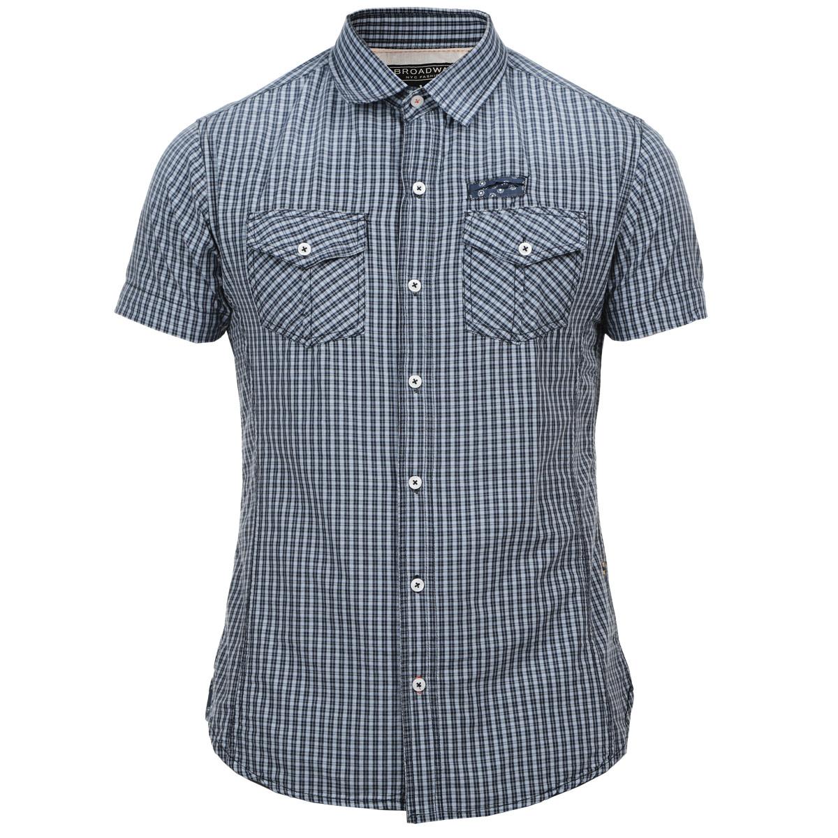 Рубашка мужская. 1015255910152559 00GСтильная мужская рубашка Broadway, изготовленная из высококачественного материала, необычайно мягкая и приятная на ощупь, не сковывает движения и позволяет коже дышать, обеспечивая наибольший комфорт. Модная рубашка прямого кроя с короткими рукавами, отложным воротником и полукруглым низом. Застегивается изделие на пуговицы. На груди рубашка дополнена двумя накладными карманами, закрывающимися клапанами на пуговицах, и небольшим прорезным кармашком. Эта рубашка идеальный вариант для повседневного гардероба. Такая модель порадует настоящих ценителей комфорта и практичности!