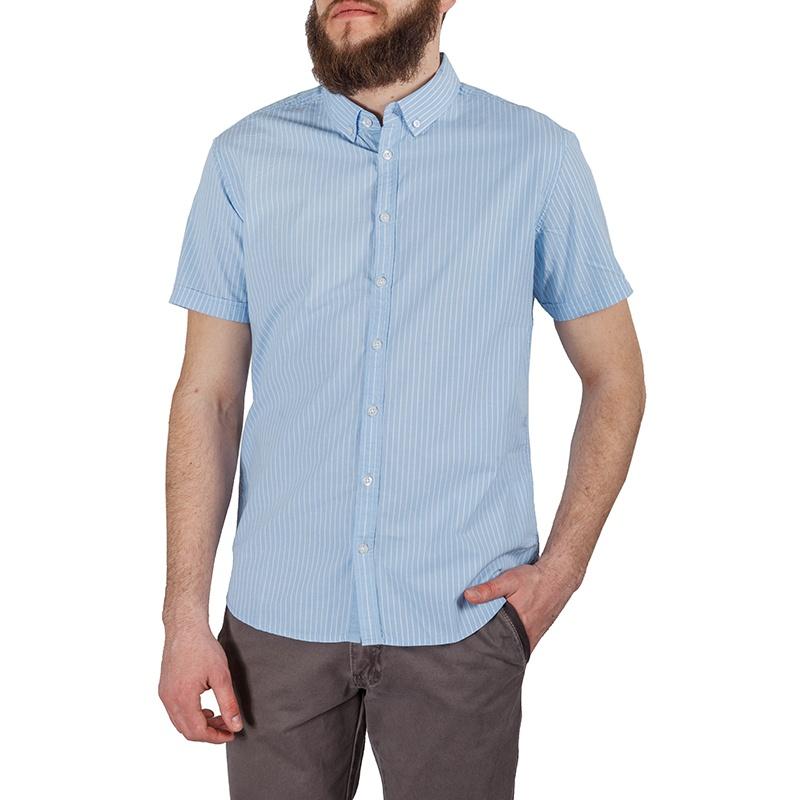 РубашкаHs-212/156-5224Стильная мужская рубашка Sela, изготовленная из хлопка, подчеркнет вашу индивидуальность. Модель с отложным воротником и короткими рукавами застегивается на пластиковые пуговицы по всей длине изделия. Рубашка в полоску отлично подойдет для вашего летнего гардероба и сможет дополнить повседневный образ.