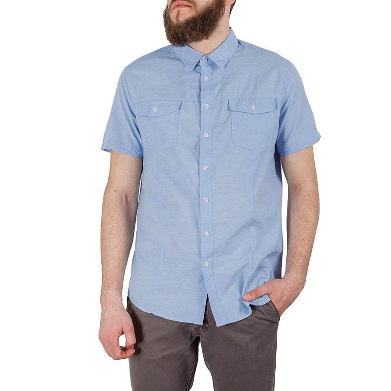 РубашкаHs-212/137-5224Стильная мужская рубашка Sela, выполненная из высококачественного материала, покорит своим лаконичным дизайном. Модель прямого кроя с полукруглым низом, короткими рукавами, отложным воротником застегивается на пуговицы. На груди рубашка дополнена двумя накладными карманами с клапанами на пуговицах. Эта модная и в тоже время комфортная рубашка послужит отличным дополнением к вашему гардеробу. В ней вы всегда будете чувствовать себя уютно и комфортно.