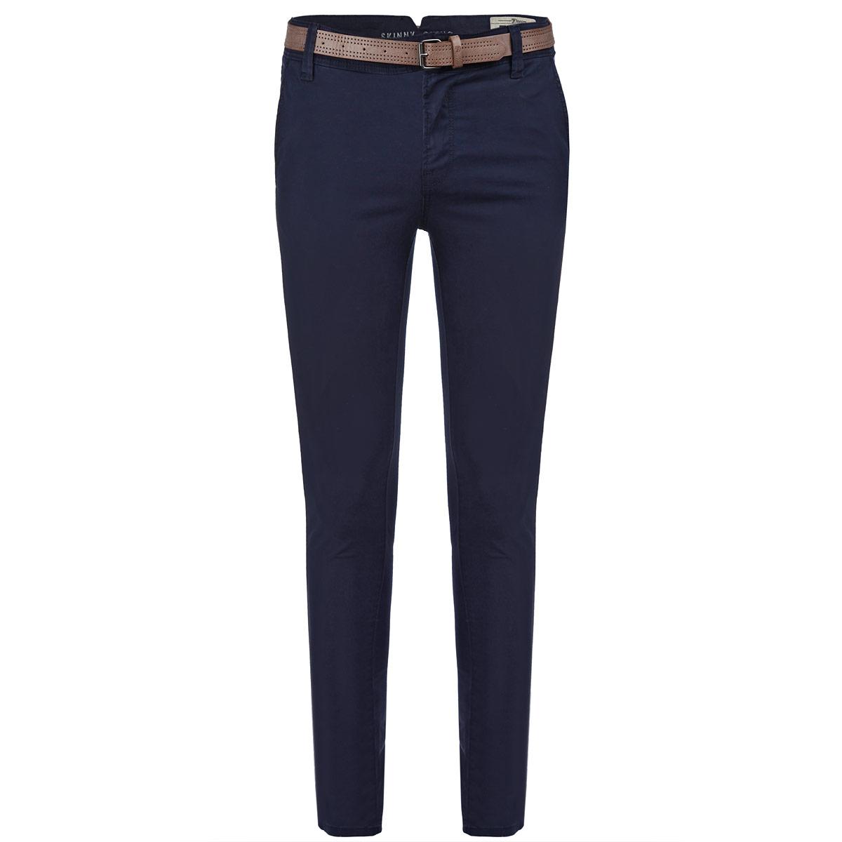 Брюки мужские. 6403342.09.126403342.09.12Стильные мужские брюки Tom Tailor подарят вам комфорт и позволят подчеркнуть ваш неповторимый стиль. Брюки прямого кроя и средней посадки изготовлены из эластичного хлопка и не сковывают движения. Брюки на талии застегиваются на пластиковую пуговицу, также имеются ширинка на застежке-молнии и шлевки для ремня. Спереди модель оформлена двумя втачными карманами со скошенными краями, а сзади - двумя прорезными карманами. В комплект также входит узкий ремень с металлической пряжкой. Эти модные и в тоже время комфортные брюки послужат отличным дополнением к вашему гардеробу. В них вы всегда будете чувствовать себя уютно и комфортно.