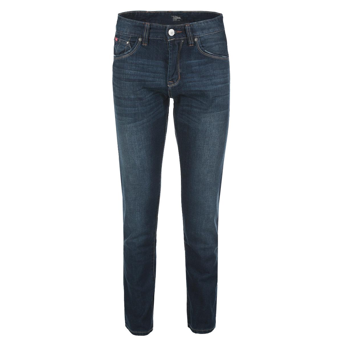 Джинсы мужские. HarryHarry/WornnavyСтильные мужские джинсы Lee Cooper Harry высочайшего качества выполнены из плотного хлопкового материала. Модель слегка зауженного кроя и средней посадки станет отличным дополнением к вашему современному образу. Джинсы застегиваются на металлическую пуговицу в поясе и ширинку на застежке-молнии, также имеются шлевки для ремня. Спереди модель дополнена двумя втачными карманами и двумя небольшими секретными кармашками, а сзади - двумя накладными карманами. Джинсы оформлены легким эффектом потертости, перманентными складками, металлическими клепками и прострочкой. Эти модные и в тоже время комфортные джинсы послужат отличным дополнением к вашему гардеробу. В них вы всегда будете чувствовать себя уютно и комфортно.