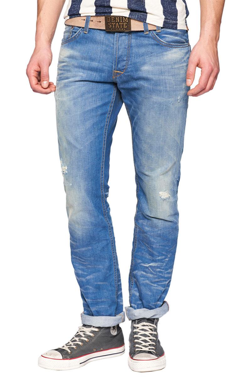 Джинсы мужские. 6202293.62.126202293.62.12_1073Стильные мужские джинсы TOM TAILOR зауженного к низу кроя и заниженной посадки изготовлены из высококачественного материала, не сковывают движения. Модель оформлена потертостями. Застегиваются джинсы на пуговицы, имеются шлевки для ремня. Спереди модель оформлена двумя втачными карманами и одним небольшим секретным кармашком, а сзади - двумя накладными карманами и одним небольшим секретным кармашком. Эти модные и в тоже время комфортные джинсы послужат отличным дополнением к вашему гардеробу. В них вы всегда будете чувствовать себя уютно и комфортно.