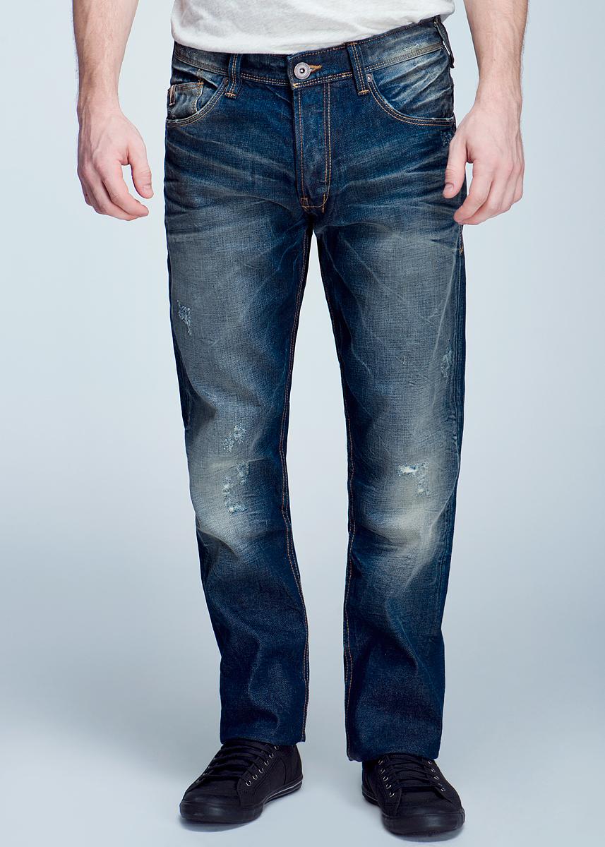 Джинсы мужские. 6202106.00.126202106.00.12_1064Стильные мужские джинсы TOM TAILOR зауженного к низу кроя и заниженной посадки изготовлены из высококачественного материала, не сковывают движения. Модель оформлена потертостями. Застегиваются джинсы на пуговицы, имеются шлевки для ремня. Спереди модель оформлена двумя втачными карманами и одним небольшим секретным кармашком, а сзади - двумя накладными карманами. Эти модные и в тоже время комфортные джинсы послужат отличным дополнением к вашему гардеробу. В них вы всегда будете чувствовать себя уютно и комфортно.
