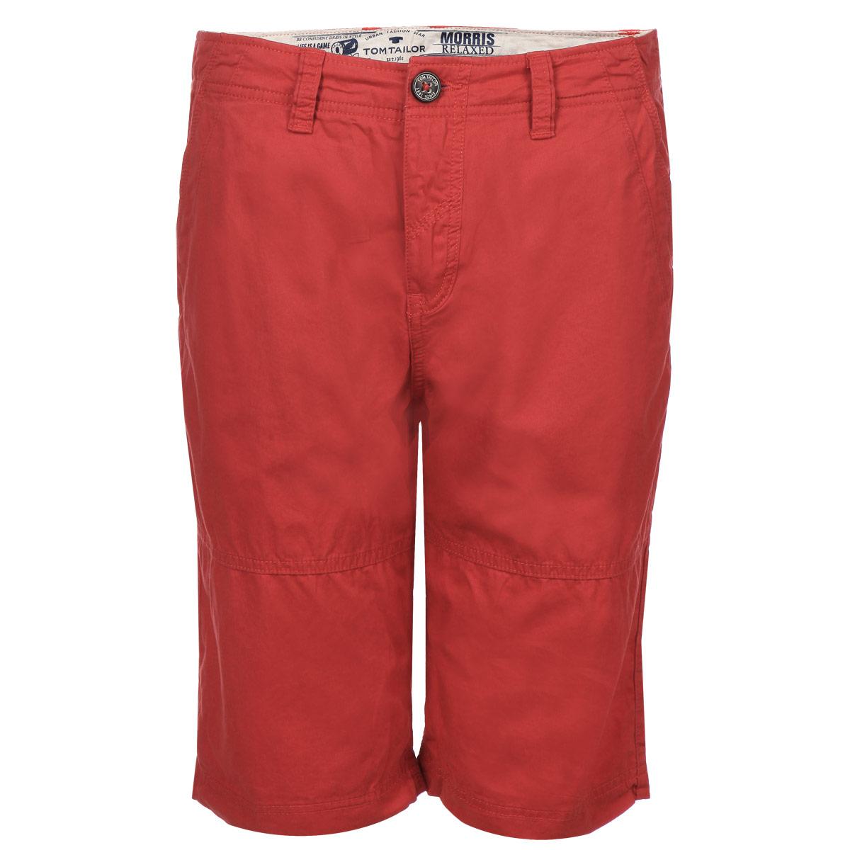 Шорты мужские. 6403307.00.106403307.00.10_4502Стильные мужские шорты Tom Tailor средней посадки изготовлены из высококачественного плотного хлопка, послужат отличным дополнением к вашему современному образу. Застегиваются шорты на пуговицу в поясе и ширинку на молнии, имеются шлевки для ремня. Спереди модель оформлена двумя втачными карманами с косыми срезами, сзади - двумя накладными карманами. Эти модные и в тоже время комфортные шорты займут достойное место в вашем гардеробе. В них вы всегда будете чувствовать себя уютно и комфортно.