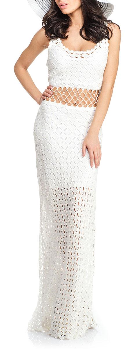 Платье16A007Стильное легкое платье Moltini - прекрасный вариант для летней пляжной моды. Изготовлено платье из 100% полиэстера на подкладке из полиэстера с добавлением эластана. Модель прямого силуэта, с круглым вырезом горловины и широкими бретелями. Подкладка укорочена. Верхняя часть выполнена ажурной вязкой. Линия талии открыта. Низ изделия по бокам дополнен длинными разрезами. Платье позволит вам создать эффектный и запоминающийся образ, и займет достойное место в вашем гардеробе.