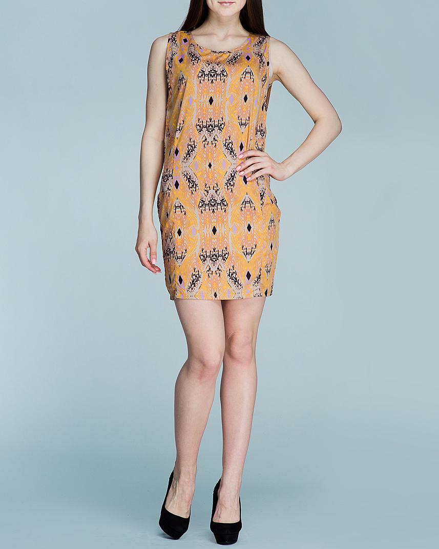 Платье100839Стильное платье Ichi, выполненное из полиэстера с эластаном, займет достойное место в вашем гардеробе. Модель свободного кроя без рукавов оформлена оригинальным принтом горчичного цвета. Сзади платье присборено по вороту. Верхняя часть спинки спадает легкой горизонтальной складкой к юбке. В таком платье вы будете прекрасно себя чувствовать на летней прогулке и на свидании.