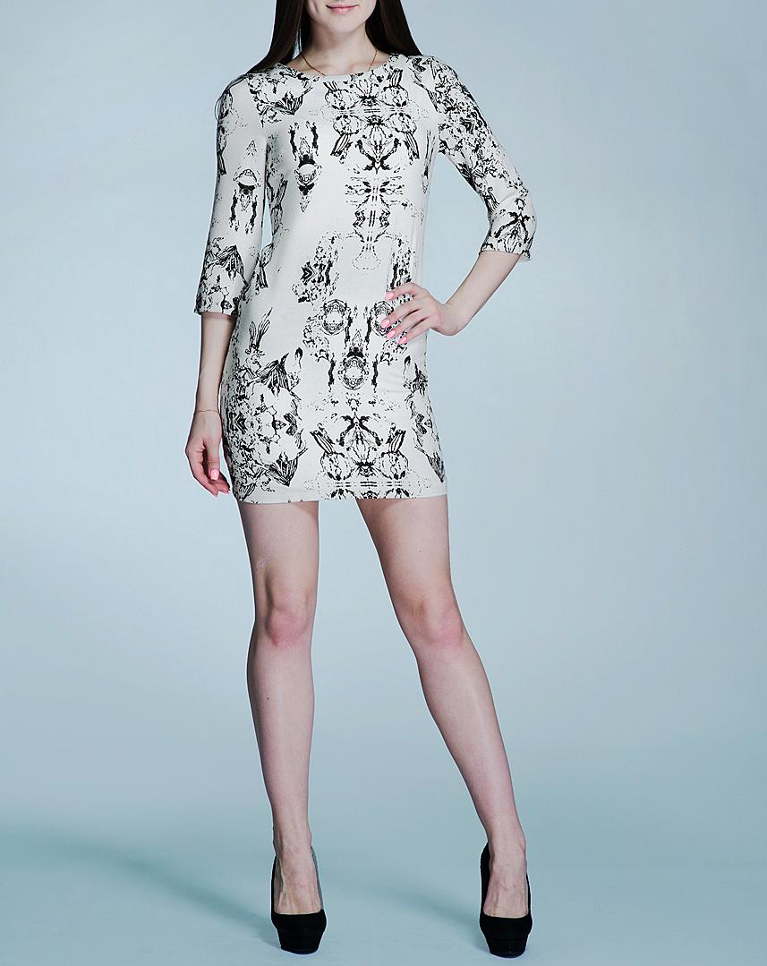 Платье100837Элегантное женское платье Blend She не содержит ничего лишнего - и именно поэтому оно создает притягательный образ, главным акцентом которого является роскошная простота. Изделие изготовлено из практичного полиэстера с добавлением эластана. На спинке расположена потайная застежка-молния. Модель приталенного силуэта с круглым вырезом и длинными рукавами. Стильное платье придаст вашему облику очарования, подчеркнув его утонченность и соблазнительность.