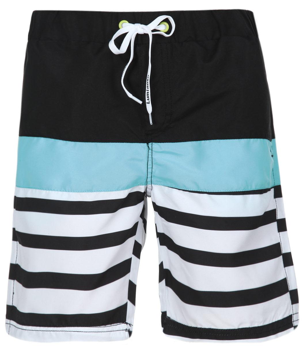 Шорты пляжные для мальчика. 196711196711Пляжные шорты для мальчика Luminoso - идеальный вариант, как для купания, так и для игр на пляже. Изготовленные из 100% полиэстера, они быстро сохнут и сохраняют первоначальный вид и форму даже при длительном использовании. Шорты комфортны в носке, даже когда ребенок мокрый. Модель с вшитыми сетчатыми трусиками на поясе имеет эластичную резинку, регулируемую шнурком, благодаря чему они не сдавливают живот ребенка и не сползают. Имеется имитация ширинки. По бокам модель дополнена двумя прорезными кармашками. Оформлено изделие принтом в полоску. Такие пляжные шорты, несомненно, понравятся вашему ребенку и послужат отличным дополнением к летнему гардеробу!