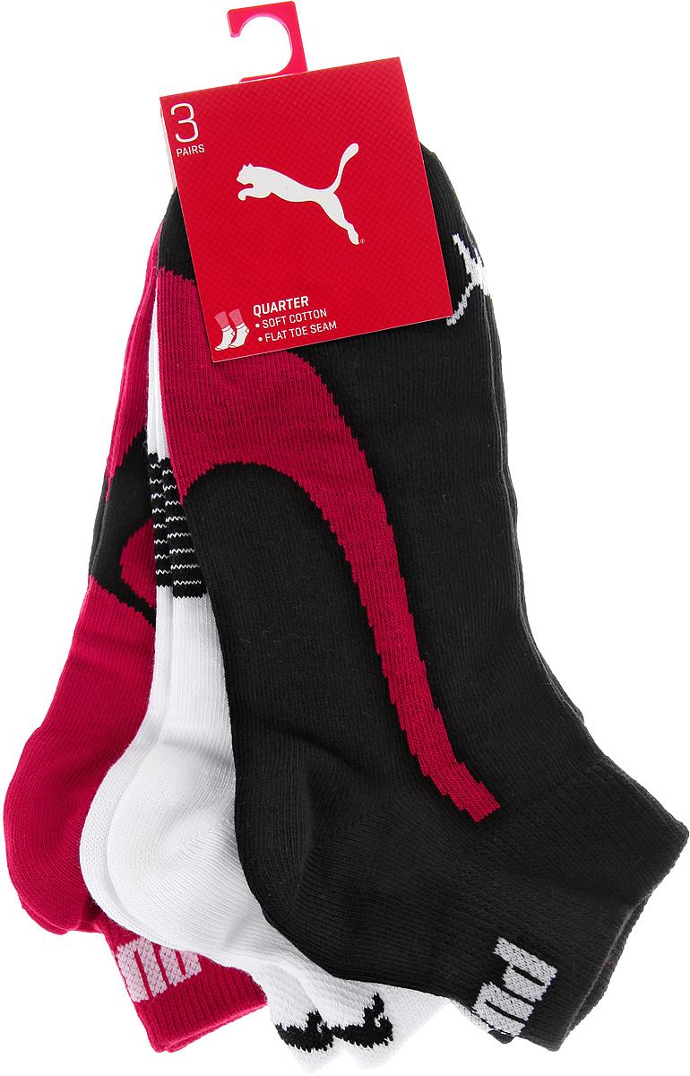 Комплект носков88641304Укороченные носки Puma Lifestyle Quarters 3P, изготовленные из высококачественного трикотажа, подходят как для занятий спортом, так и для повседневного ношения. Удобная резинка не сдавливает и комфортно облегает ногу. Воздухопроницаемость и вентиляция за счет тонких сетчатых зон. Плоский шов в зоне большого пальца для предотвращения давления и натирания. Вывод влаги для сухости и комфорта стопы. Легкость. Оформлены носки оригинальным рисунком. Идеальное сочетание практичности, легкости и комфорта. В комплект входят три пары носков.