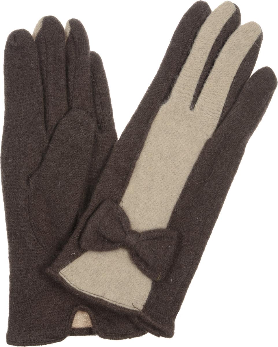 LB-PH-39Элегантные женские перчатки Labbra станут великолепным дополнением вашего образа и защитят ваши руки от холода и ветра во время прогулок. Перчатки выполнены из плотного шерстяного трикотажа. Модель оформлена декоративным бантиком на манжете и контрастным переходом цветов на лицевой стороне модели. Такие перчатки будут оригинальным завершающим штрихом в создании современного модного образа, они подчеркнут ваш изысканный вкус и станут незаменимым и практичным аксессуаром.