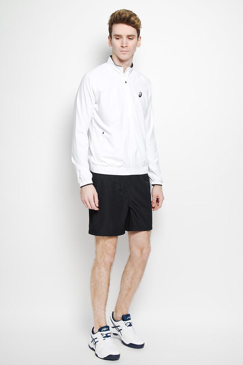 Куртка130240-0001Стильная мужская куртка Club Woven Jacket от Asics, изготовленная из полиэстера, подтвердит ваш статус модного и эффектного мужчины. Куртка с воротником-стойкой застегивается на застежку-молнию с защитой для подбородка. По бокам модель дополнена двумя втачными карманами на застежках-молниях. На внутренней стороне размещается два накладных потайных кармана. Понизу модель дополнена широкой эластичной резинкой. Рукава-реглан дополнены манжетами на резинках. Модель оформлена логотипом с названием бренда. Такая куртка обеспечит вам не только красивый внешний вид и комфорт, но и будет кстати до, после и во время тренировки.
