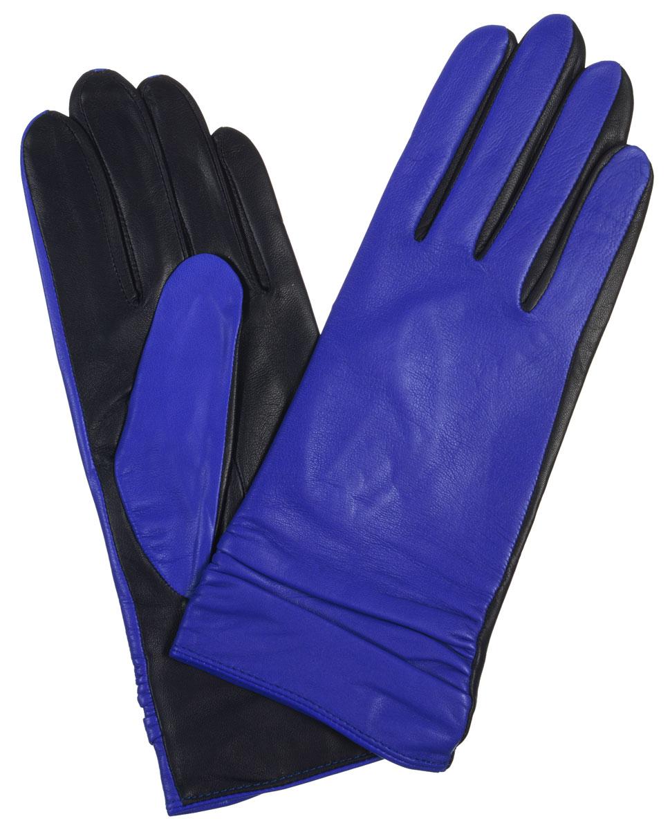 Перчатки женские. LB-8338LB-8338Элегантные женские перчатки Labbra станут великолепным дополнением вашего образа и защитят ваши руки от холода и ветра во время прогулок. Перчатки выполнены из натуральной кожи ягненка, комбинированной контрастными цветами. Лицевая сторона манжеты отделана декоративной сборкой. Такие перчатки будут оригинальным завершающим штрихом в создании современного модного образа, они подчеркнут ваш изысканный вкус и станут незаменимым и практичным аксессуаром.