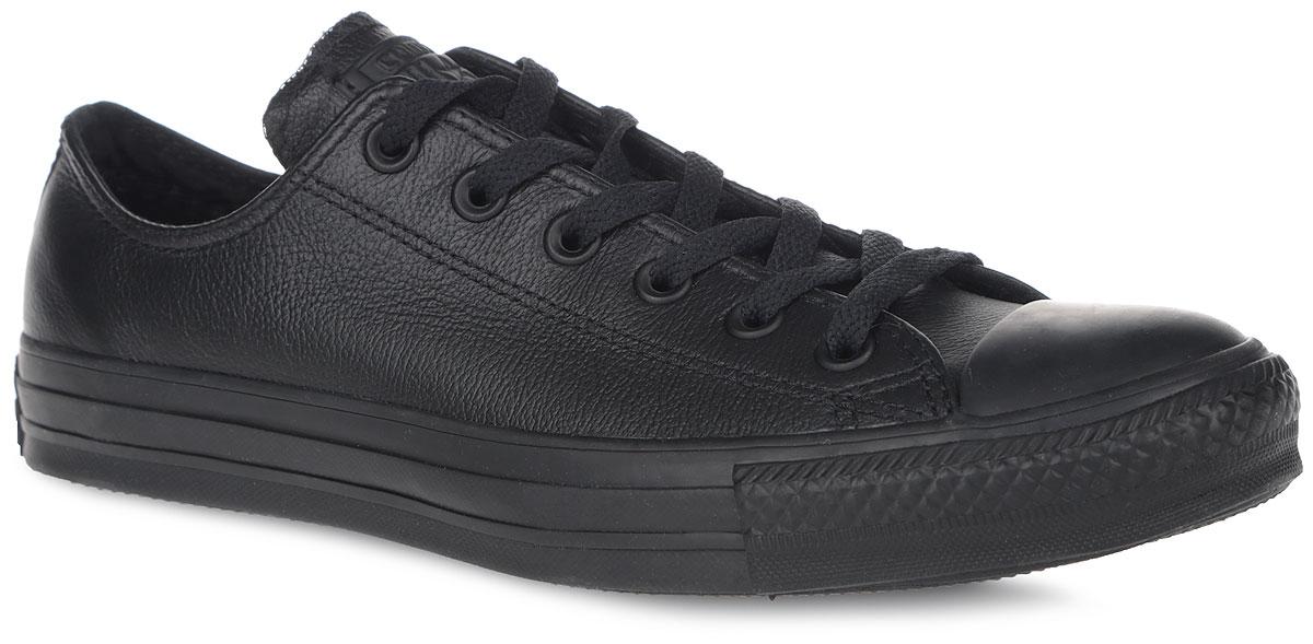 Кеды Chuck Taylor AS Leather. 136823SS16/135253SS16135253SS16Модные кеды Chuck Taylor AS Leather от Converse займут достойное место среди вашей коллекции обуви. Модель выполнена из натуральной кожи с зернистой фактурой и оформлена на язычке фирменной кожаной нашивкой, на подошве - прорезиненной накладкой, сбоку - люверсами. Мыс изделия дополнен классической для кед прорезиненной вставкой. Классическая шнуровка обеспечивает надежную фиксацию обуви на ноге. Стелька из материала EVA с текстильной поверхностью комфортна при движении. Гибкая резиновая подошва с рифлением гарантирует идеальное сцепление с любыми поверхностями. В таких кедах вашим ногам будет комфортно и уютно.