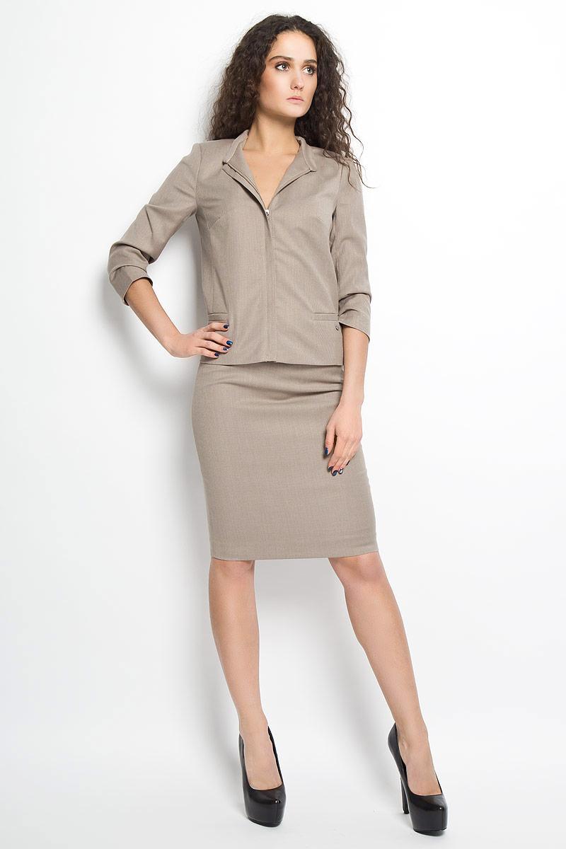B16-11037Стильная юбка Finn Flare, выполненная из высококачественного комбинированного материала, подчеркнет вашу женственность и неповторимый стиль. Подкладка выполнена из полиэстера. Классическая юбка-карандаш застегивается сзади на застежку-молнию. Изделие дополнено небольшим металлическим декоративным элементом с символикой бренда. Модная юбка выгодно освежит и разнообразит ваш гардероб. Создайте женственный образ и подчеркните свою яркую индивидуальность!