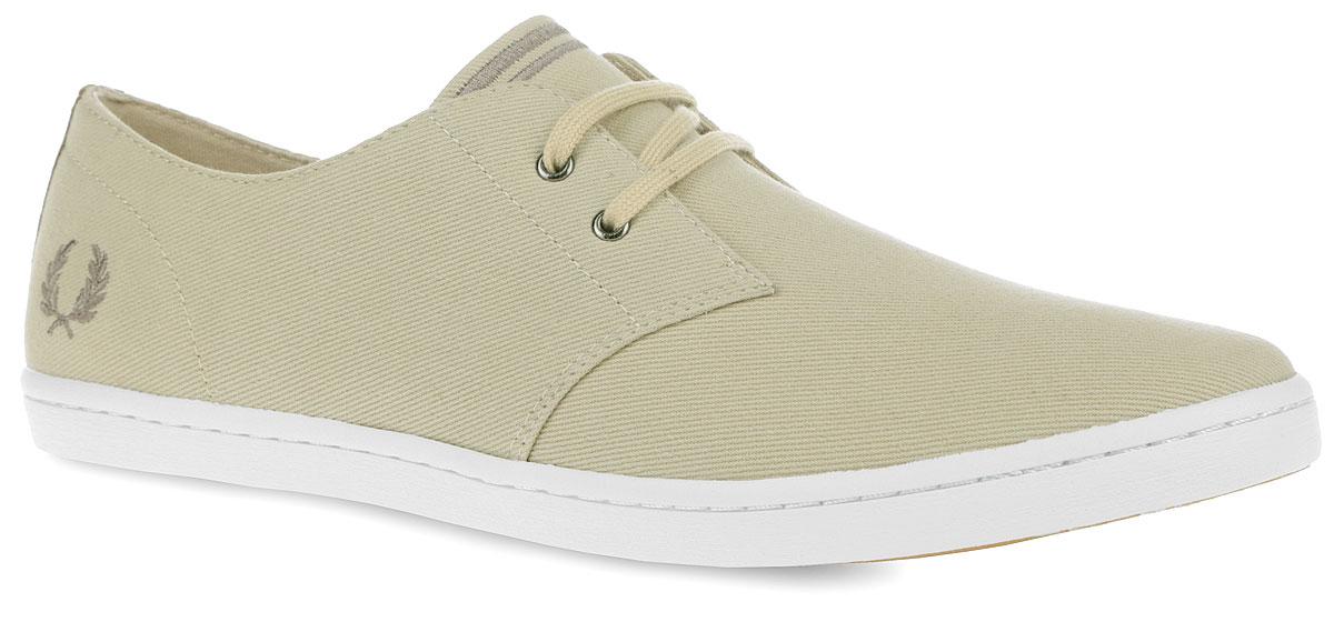 B8233-C63Стильные мужские кеды Byron Low Twill от Fred Perry покорят вас с первого взгляда! Модель, выполненная из плотного текстиля, оснащена задним наружным ремнем и оформлена вышивкой в виде логотипа бренда. Шнуровка обеспечивает надежную фиксацию обуви на ноге. Стелька и подкладка из текстиля гарантируют комфорт при движении. Прочная резиновая подошва с рельефным рисунком обеспечивает сцепление с любой поверхностью. Такие кеды займут достойное место в вашем гардеробе.